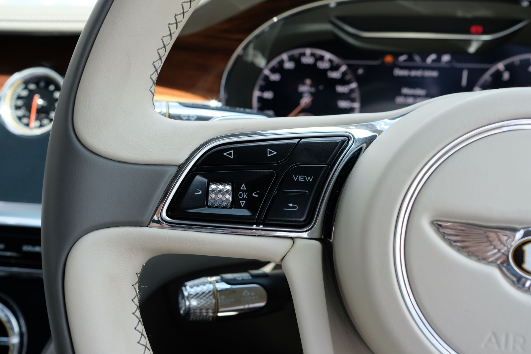 Bentley Continental GT 6.0 W12 2dr image 32
