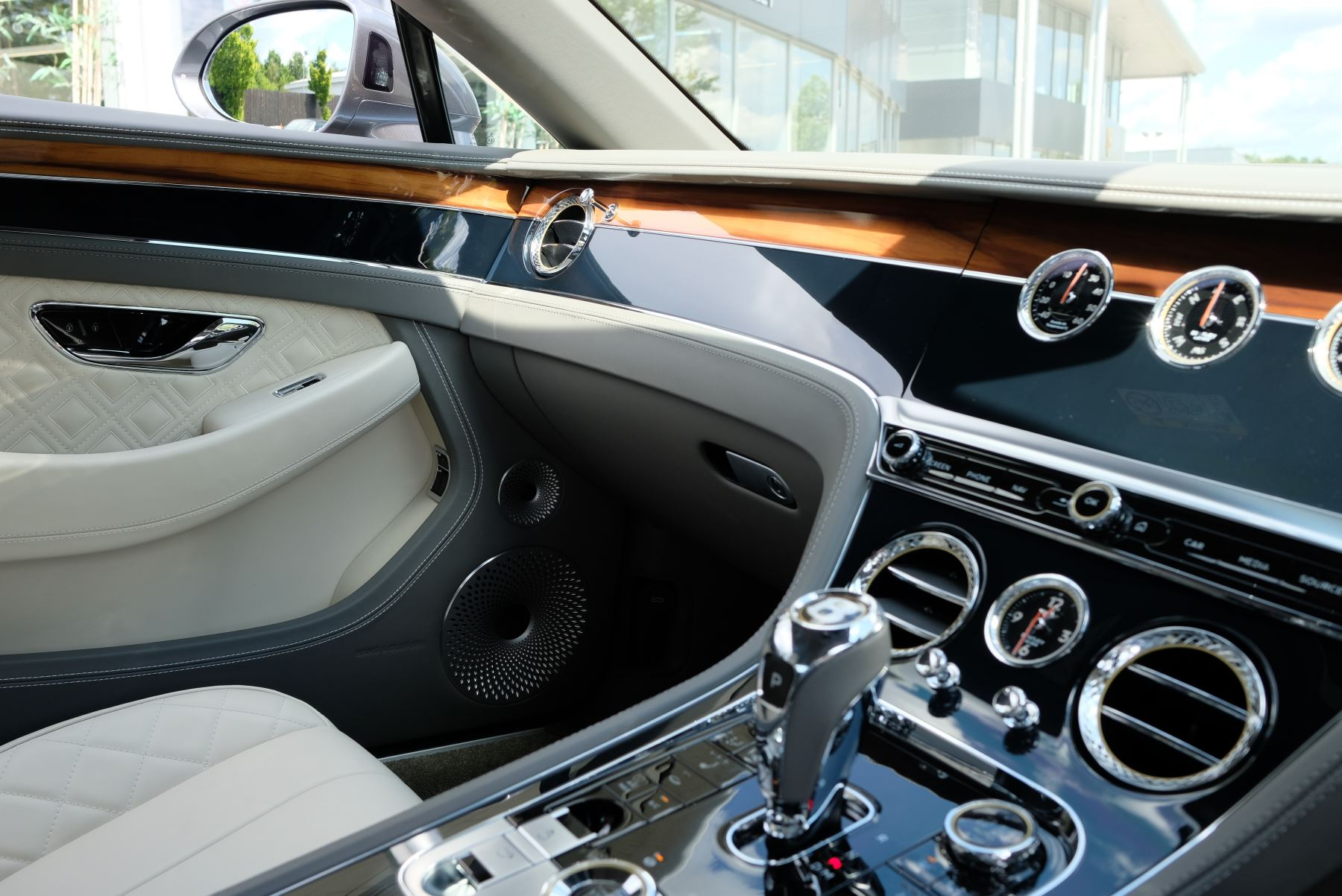 Bentley Continental GT 6.0 W12 2dr image 36