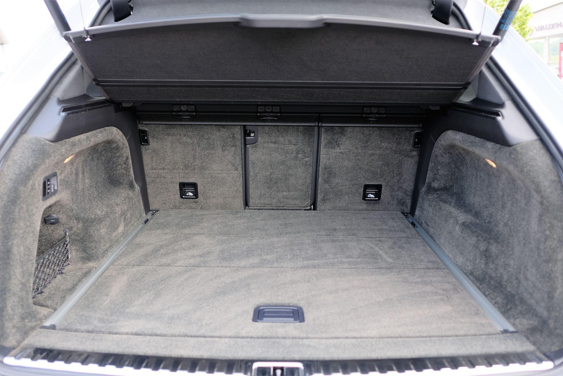 Bentley Bentayga V8 4.0 Design Series 5dr image 21
