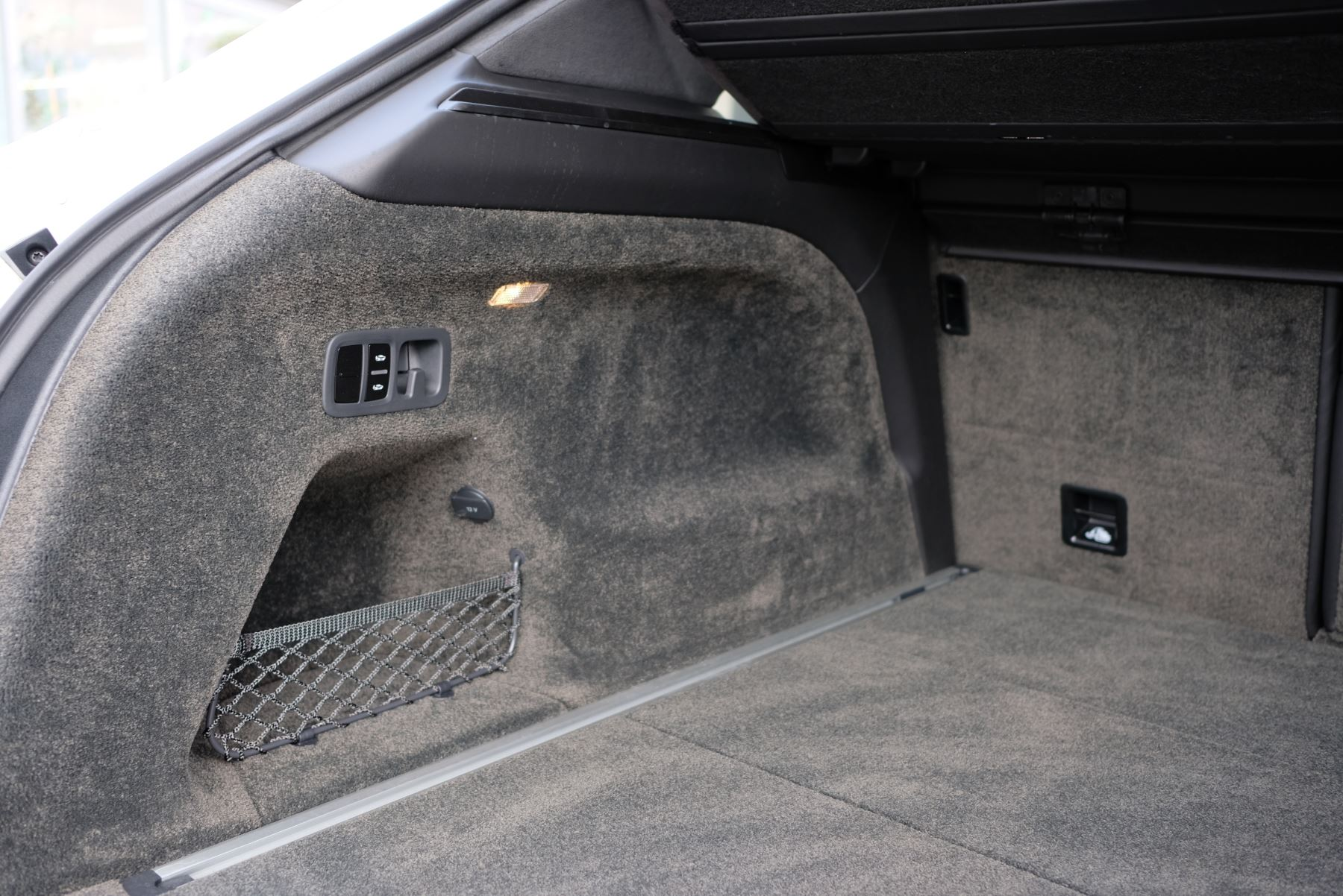 Bentley Bentayga V8 4.0 Design Series 5dr image 22