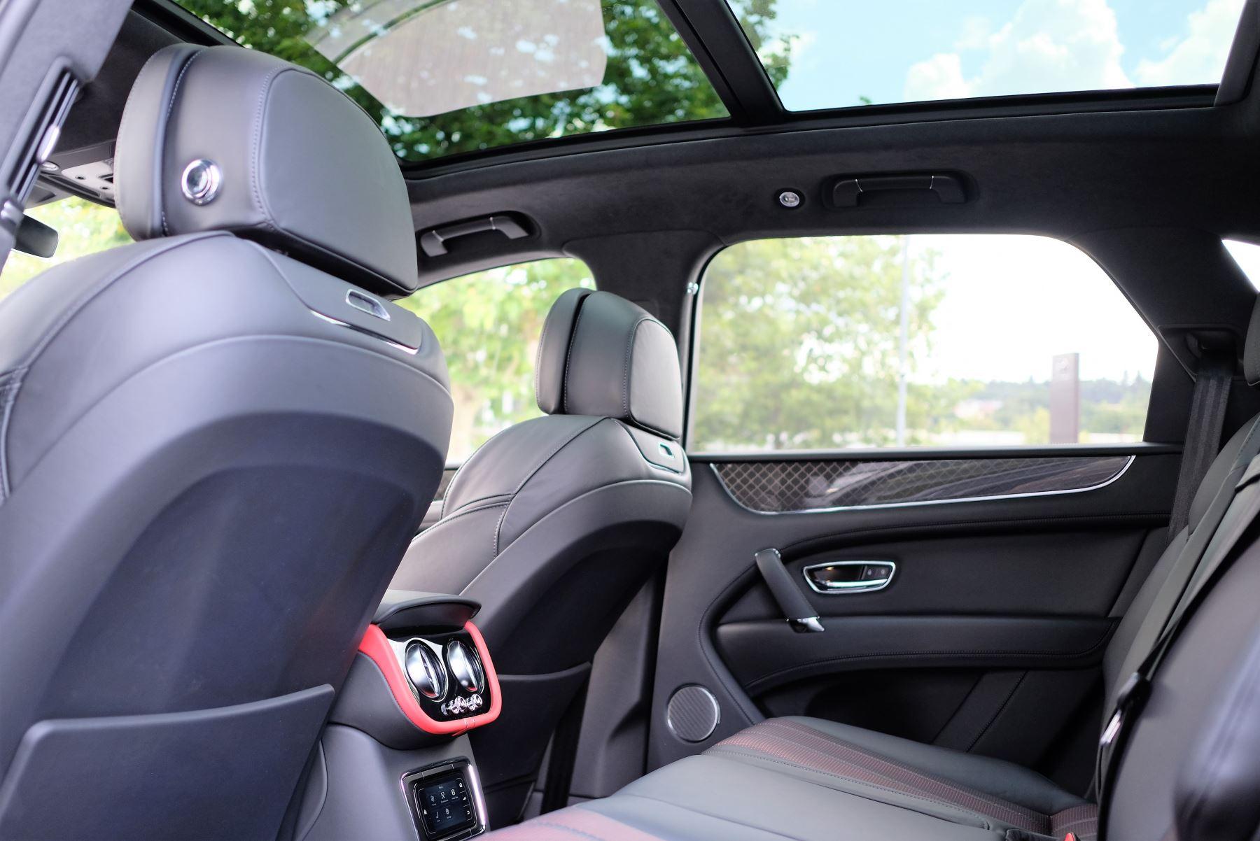 Bentley Bentayga V8 4.0 Design Series 5dr image 25