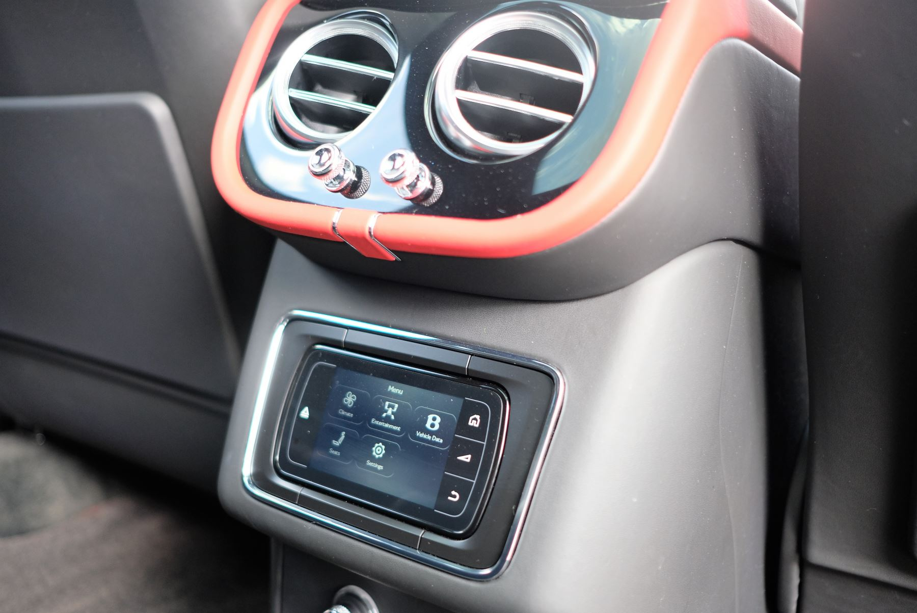 Bentley Bentayga V8 4.0 Design Series 5dr image 27