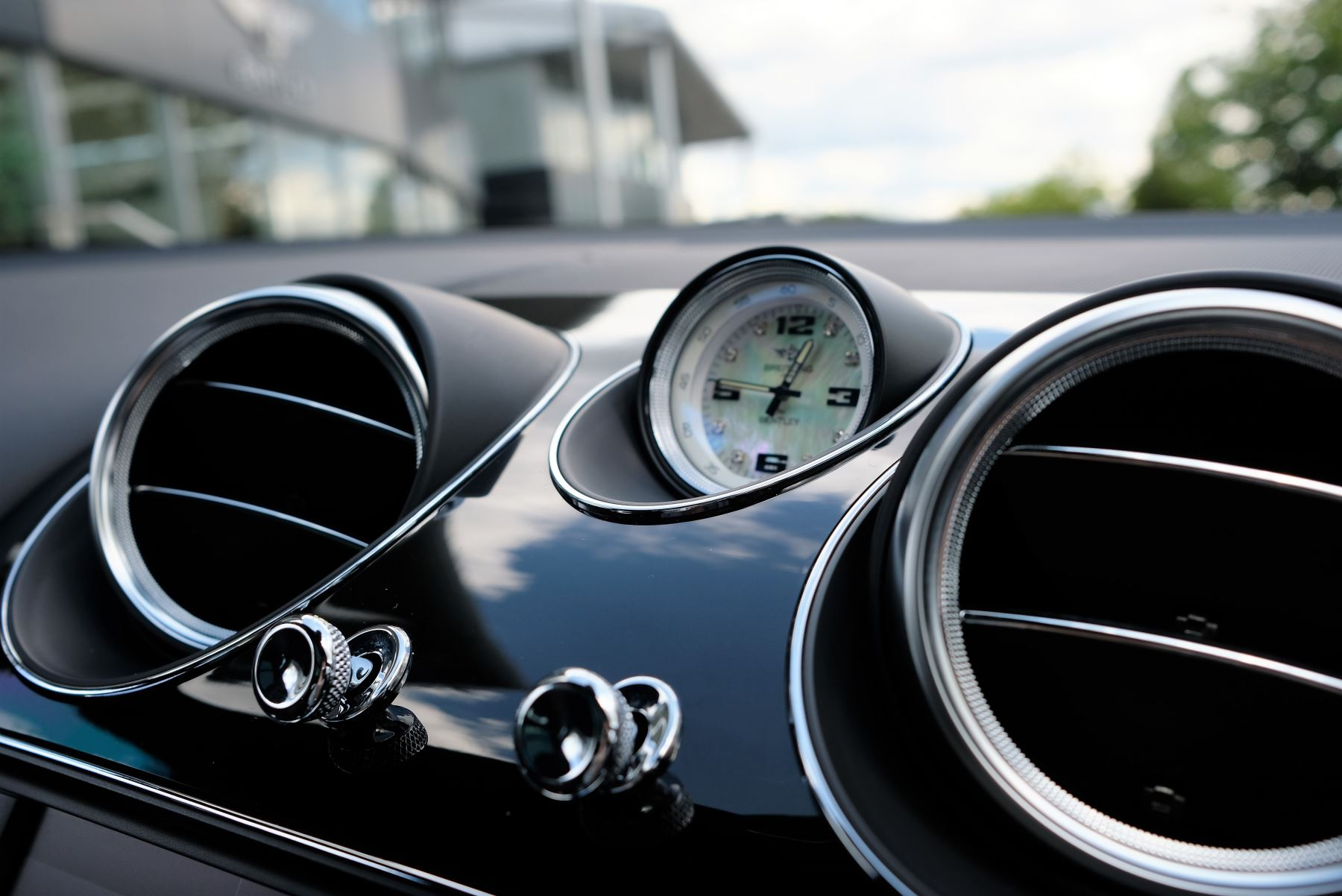 Bentley Bentayga V8 4.0 Design Series 5dr image 17