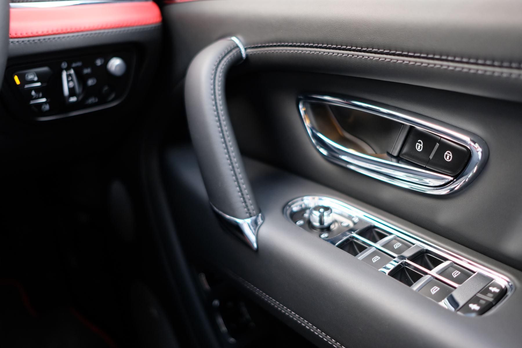 Bentley Bentayga V8 4.0 Design Series 5dr image 41