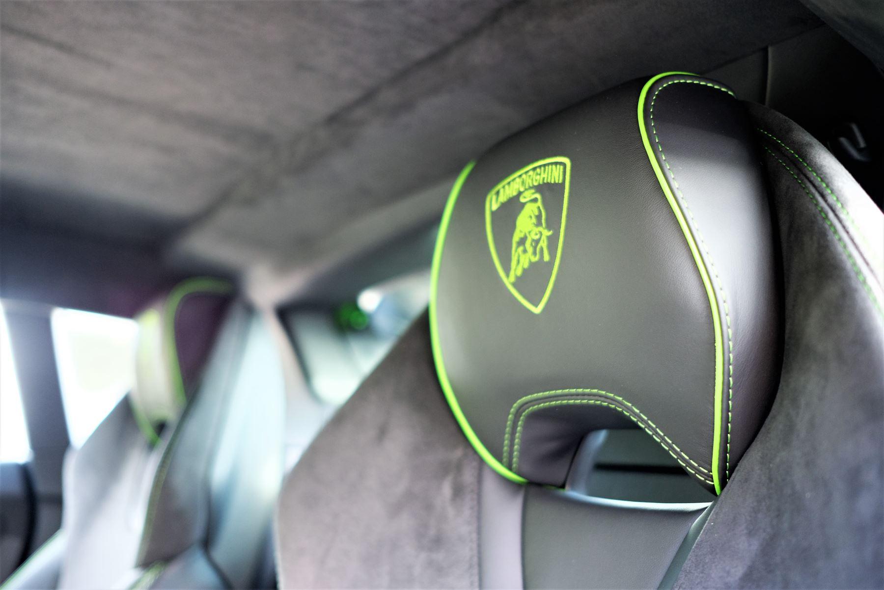 Lamborghini Huracan EVO 5.2 V10 640 2dr Auto AWD image 10