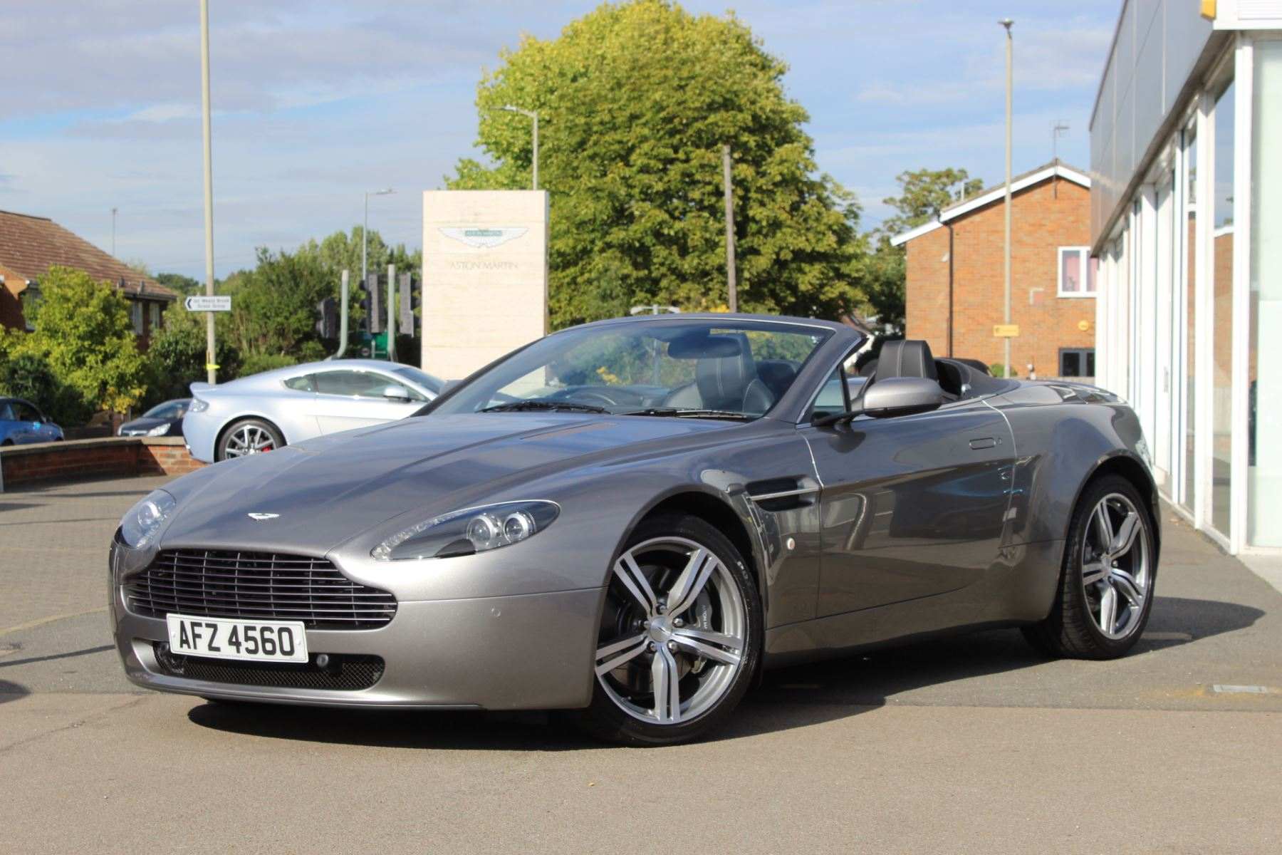 Aston Martin V8 Vantage Roadster 09my Car 4 7 Sports Shift 2 Door Roadster 2009 Available From Bentley Tunbridge Wells