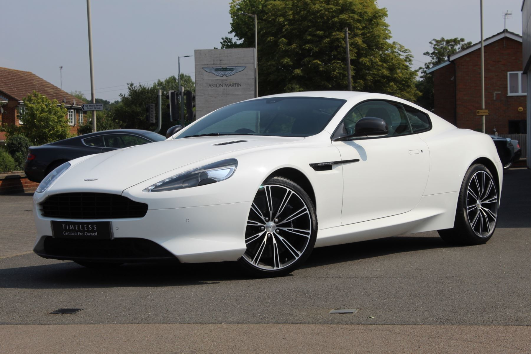 Aston Martin DB9 V12 2dr Touchtronic image 1