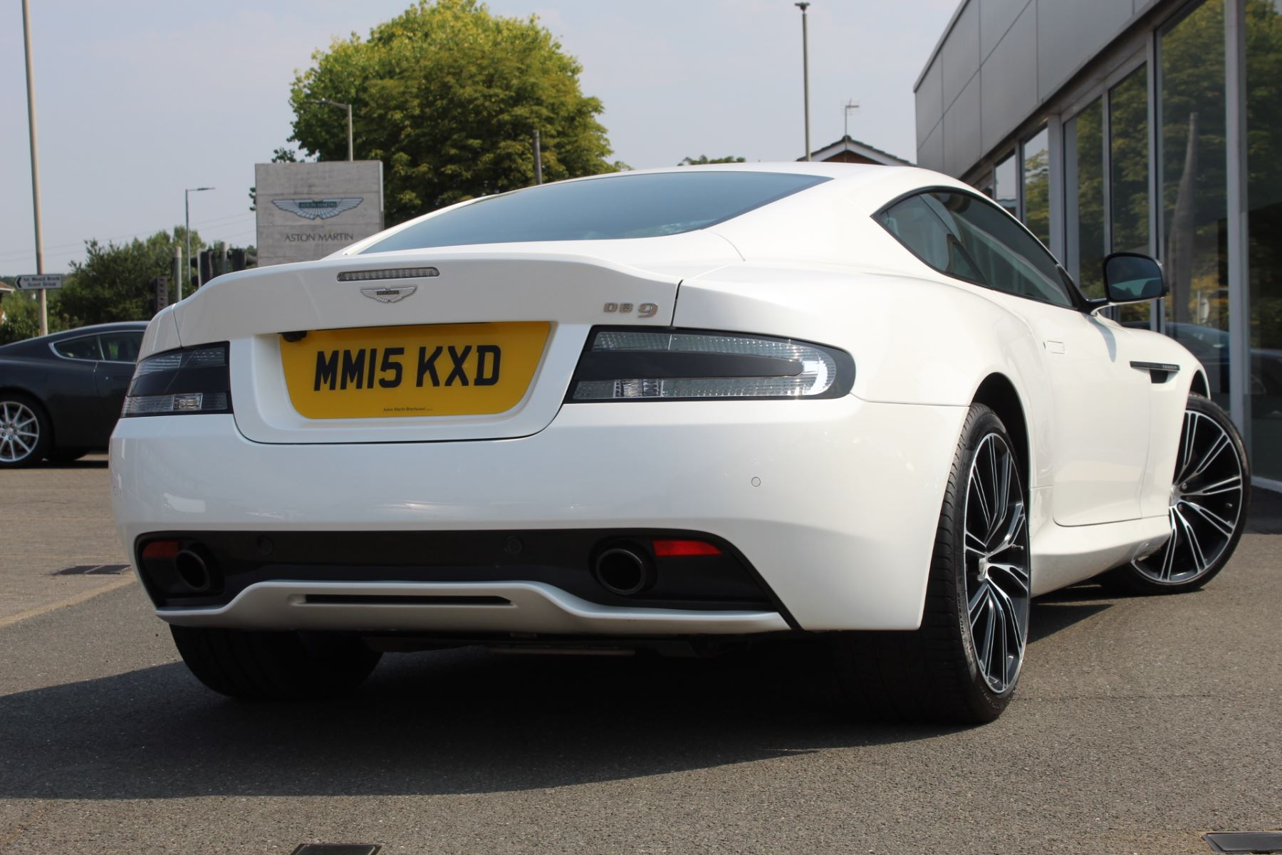 Aston Martin DB9 V12 2dr Touchtronic image 14
