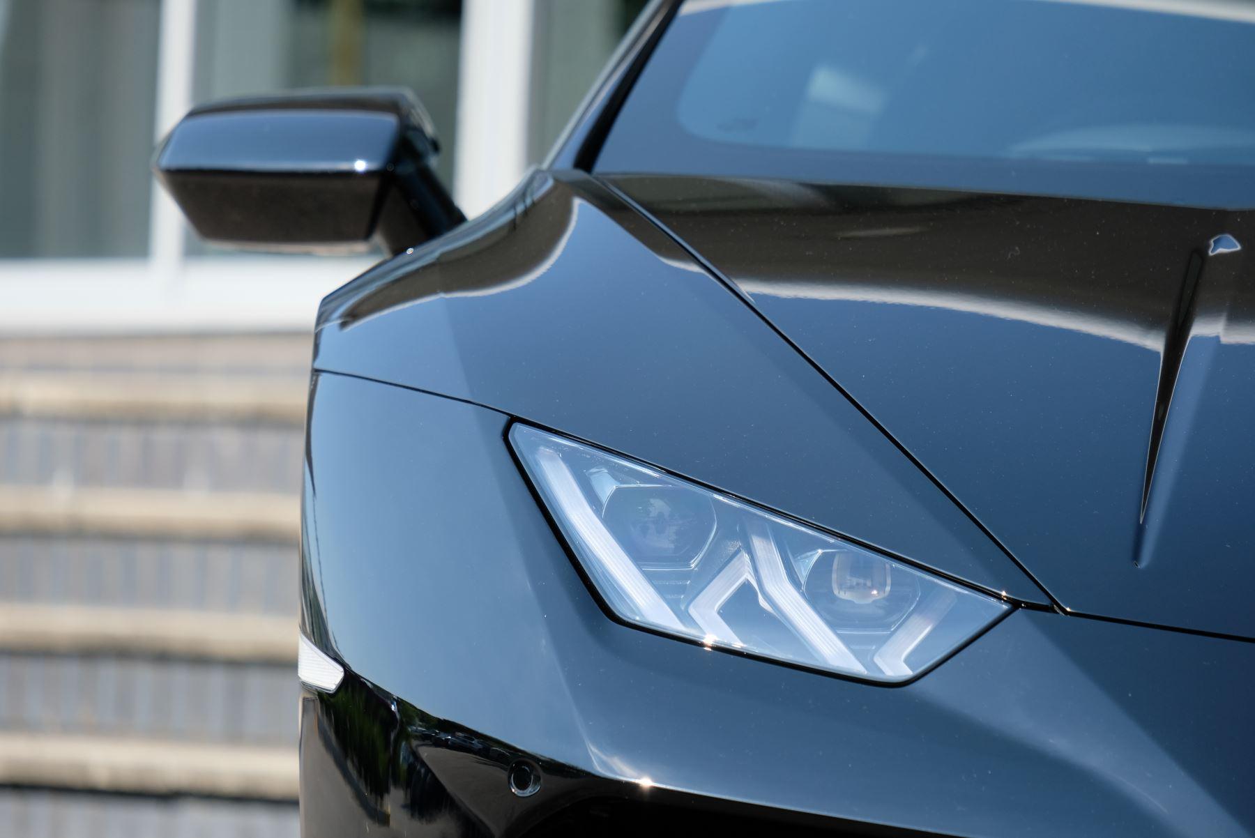Lamborghini Huracan EVO LP 640-4 5.2 AWD image 10