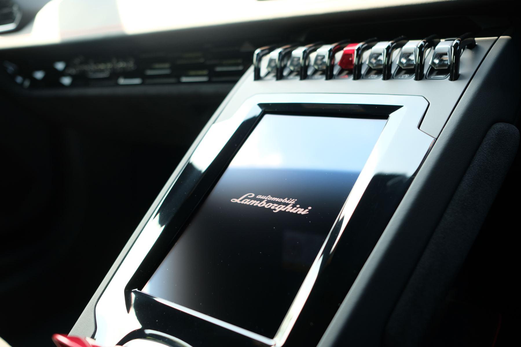 Lamborghini Huracan EVO LP 640-4 5.2 AWD image 22