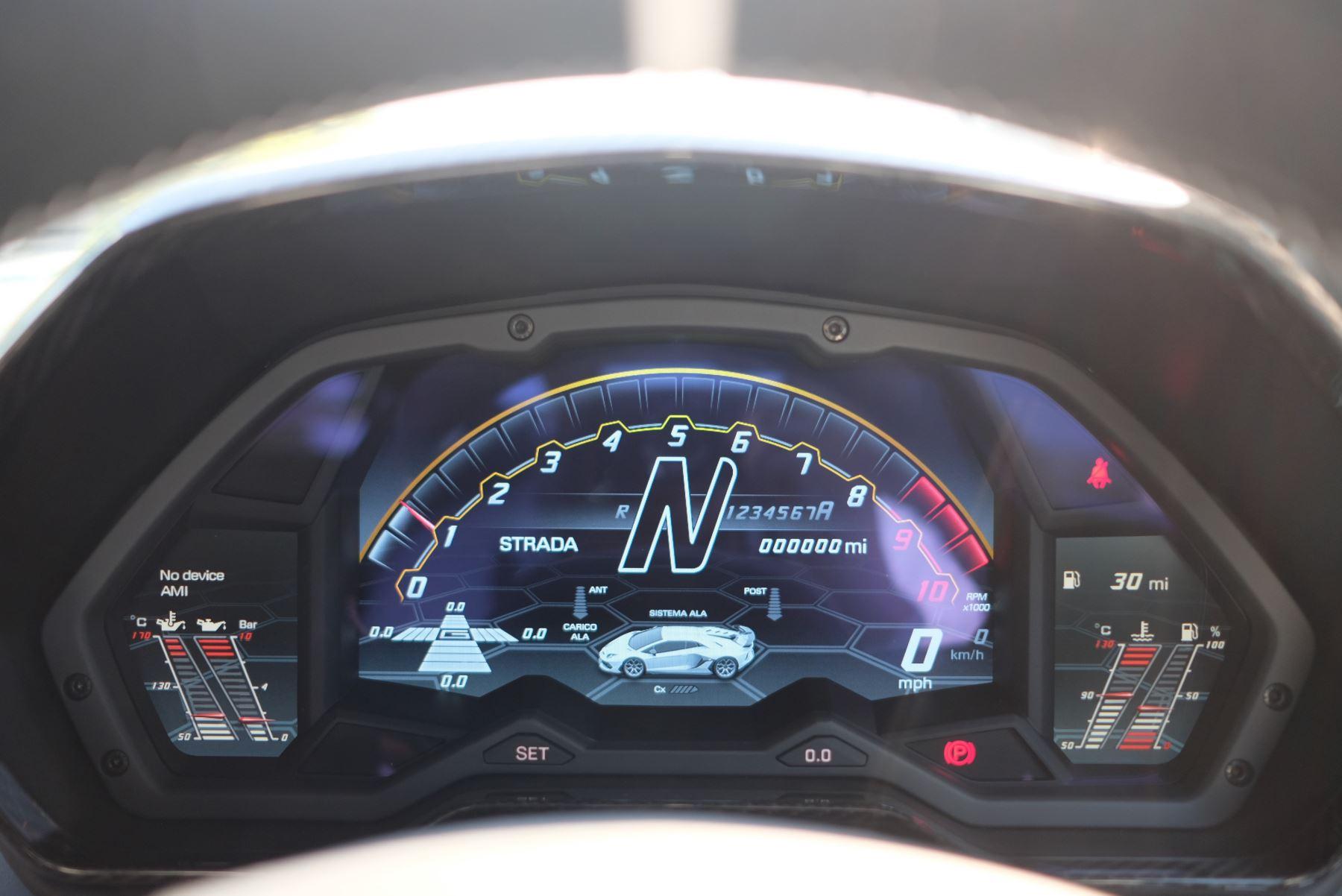 Lamborghini Aventador SVJ Coupe VAT Qualifying image 12