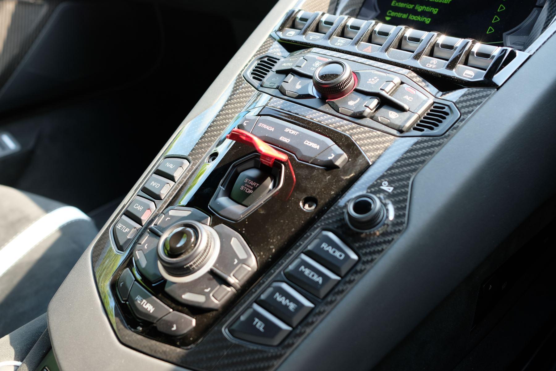Lamborghini Aventador SVJ Coupe VAT Qualifying image 18