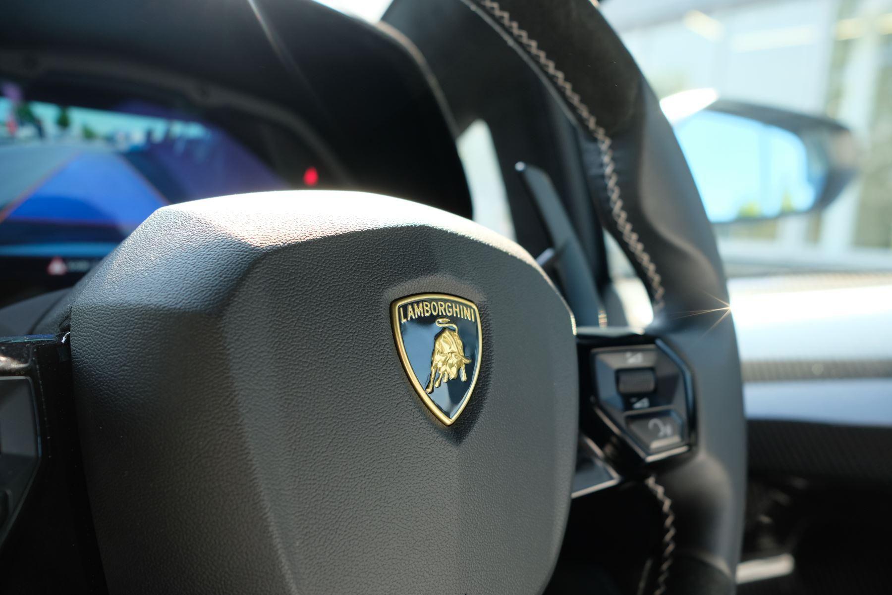Lamborghini Aventador SVJ Coupe VAT Qualifying image 23