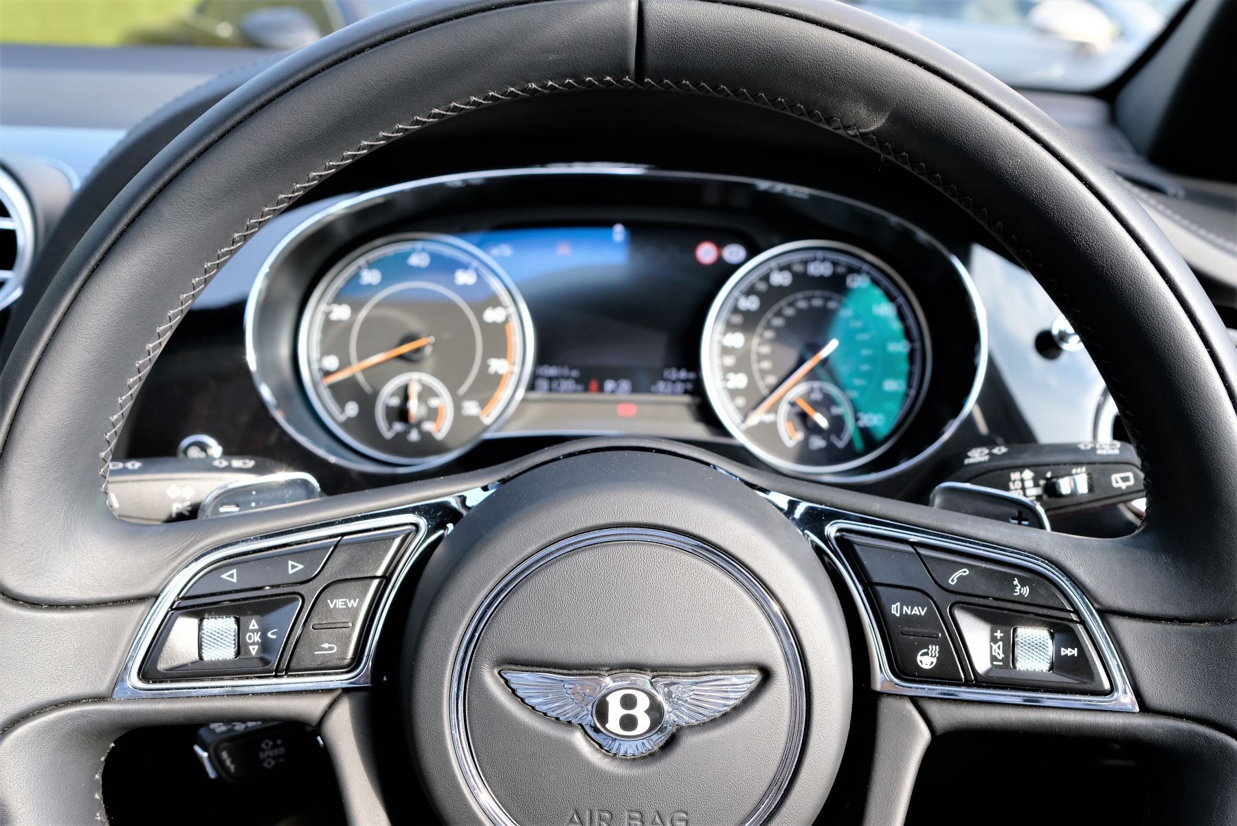 Bentley Bentayga Mulliner 6.0 W12 5dr image 19