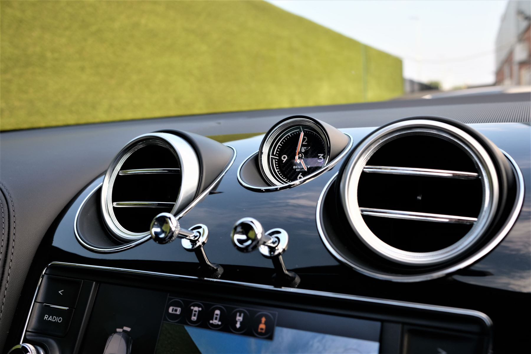 Bentley Bentayga Mulliner 6.0 W12 5dr image 21