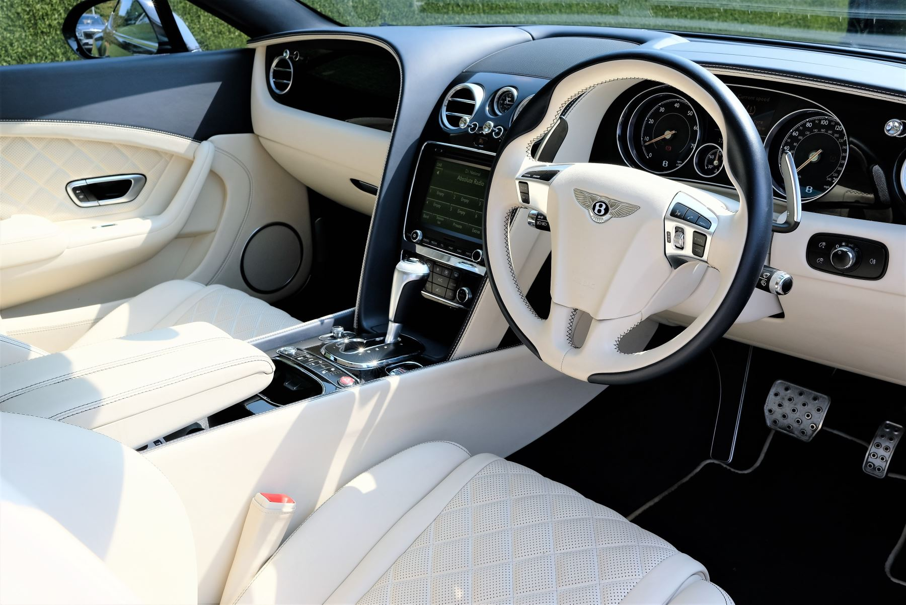 Bentley Continental GT V8 S Coupe 4.0 V8 S 2dr Auto Mulliner Driving Specification image 8