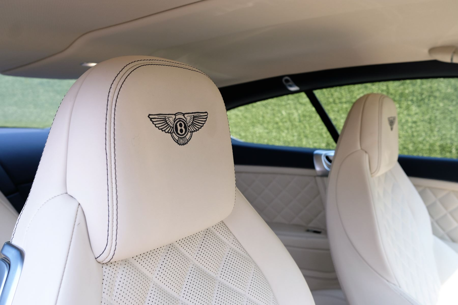 Bentley Continental GT V8 S Coupe 4.0 V8 S 2dr Auto Mulliner Driving Specification image 9