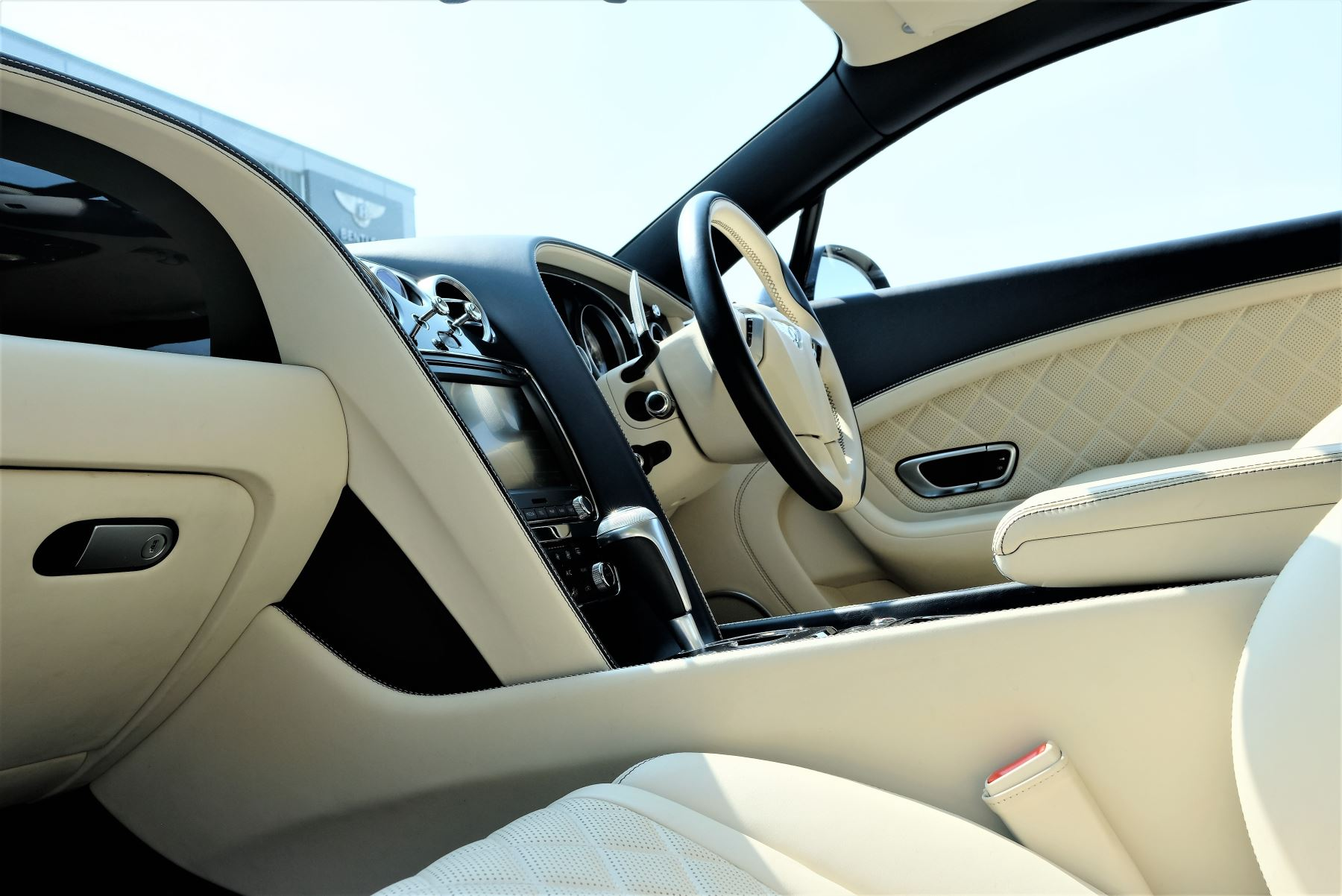 Bentley Continental GT V8 S Coupe 4.0 V8 S 2dr Auto Mulliner Driving Specification image 10