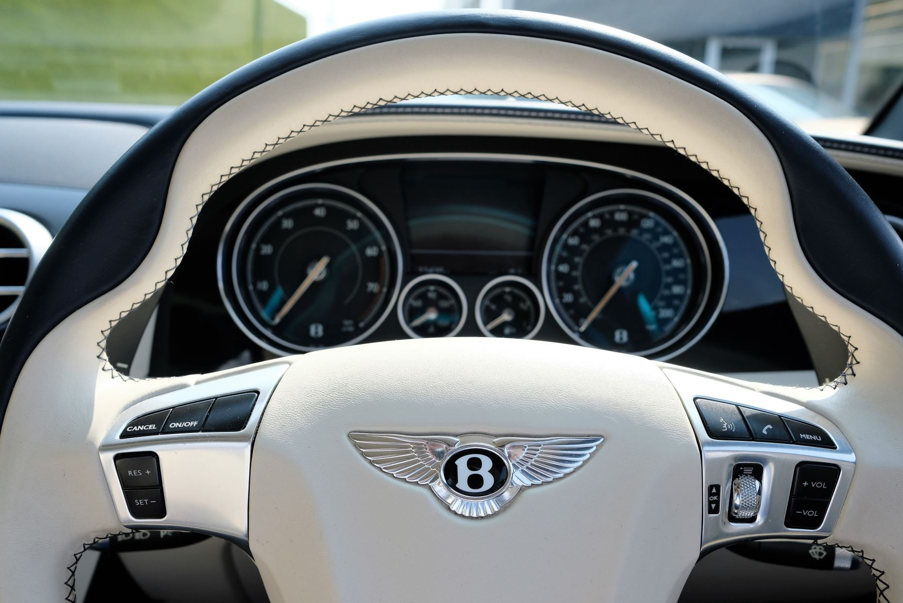 Bentley Continental GT V8 S Coupe 4.0 V8 S 2dr Auto Mulliner Driving Specification image 12