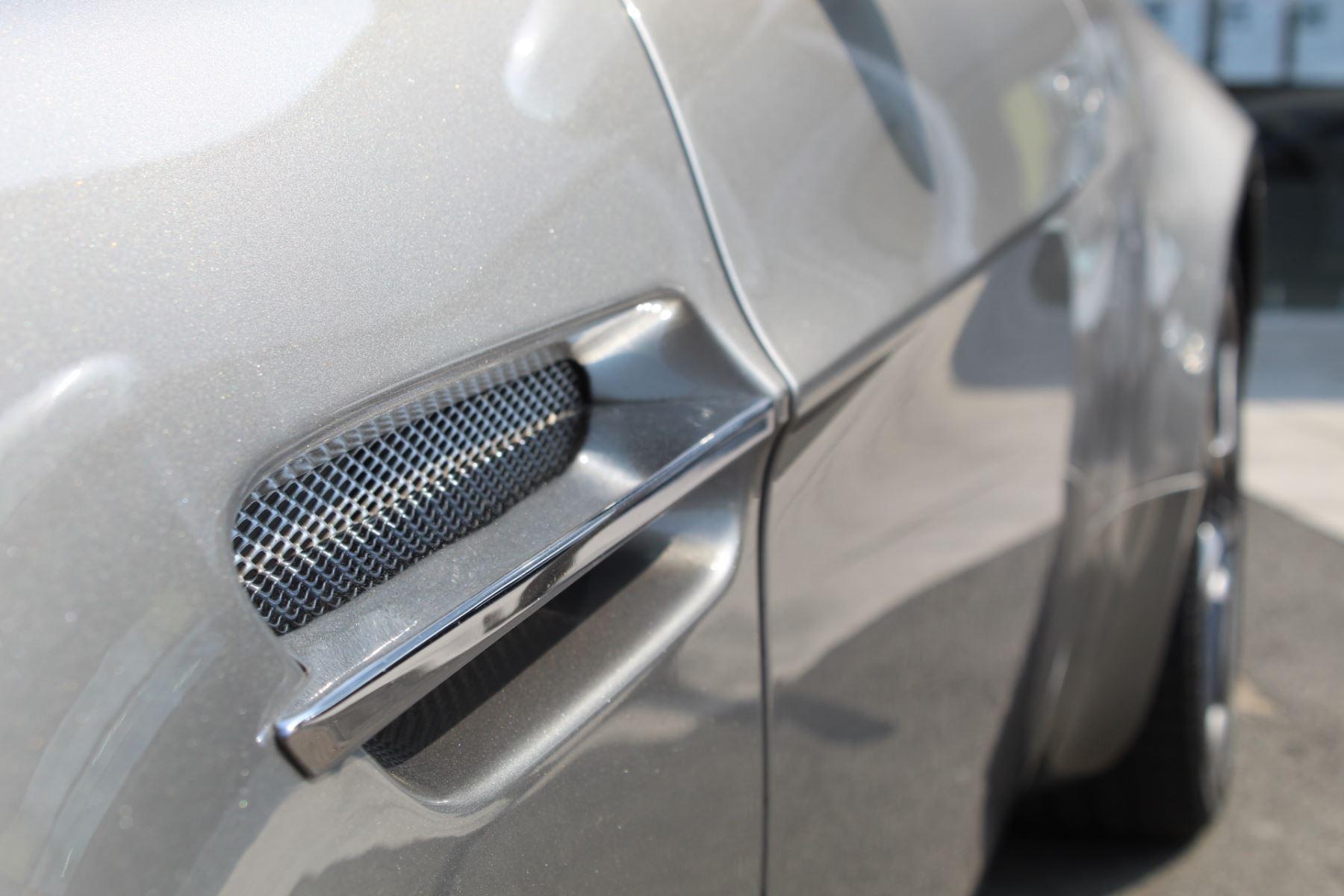 Aston Martin V8 Vantage Roadster 2dr Sportshift image 22