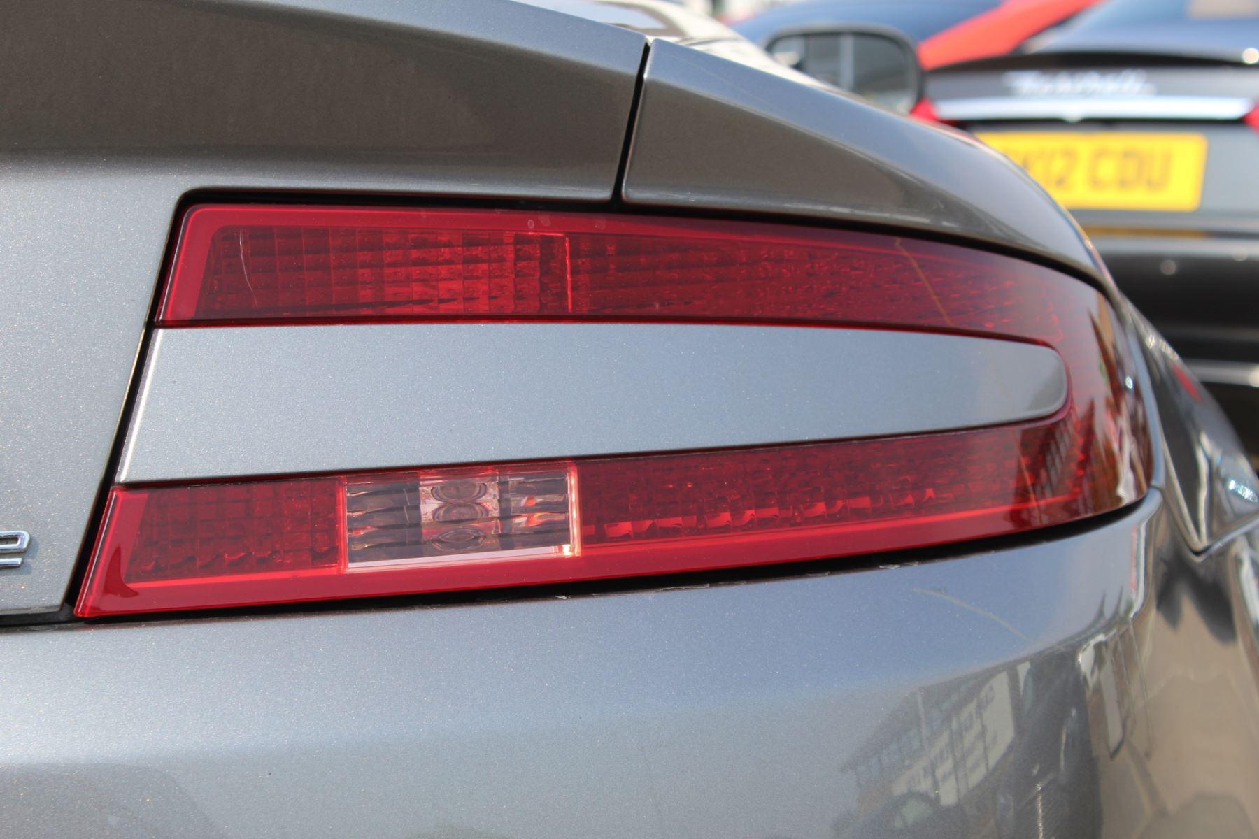 Aston Martin V8 Vantage Roadster 2dr Sportshift image 23