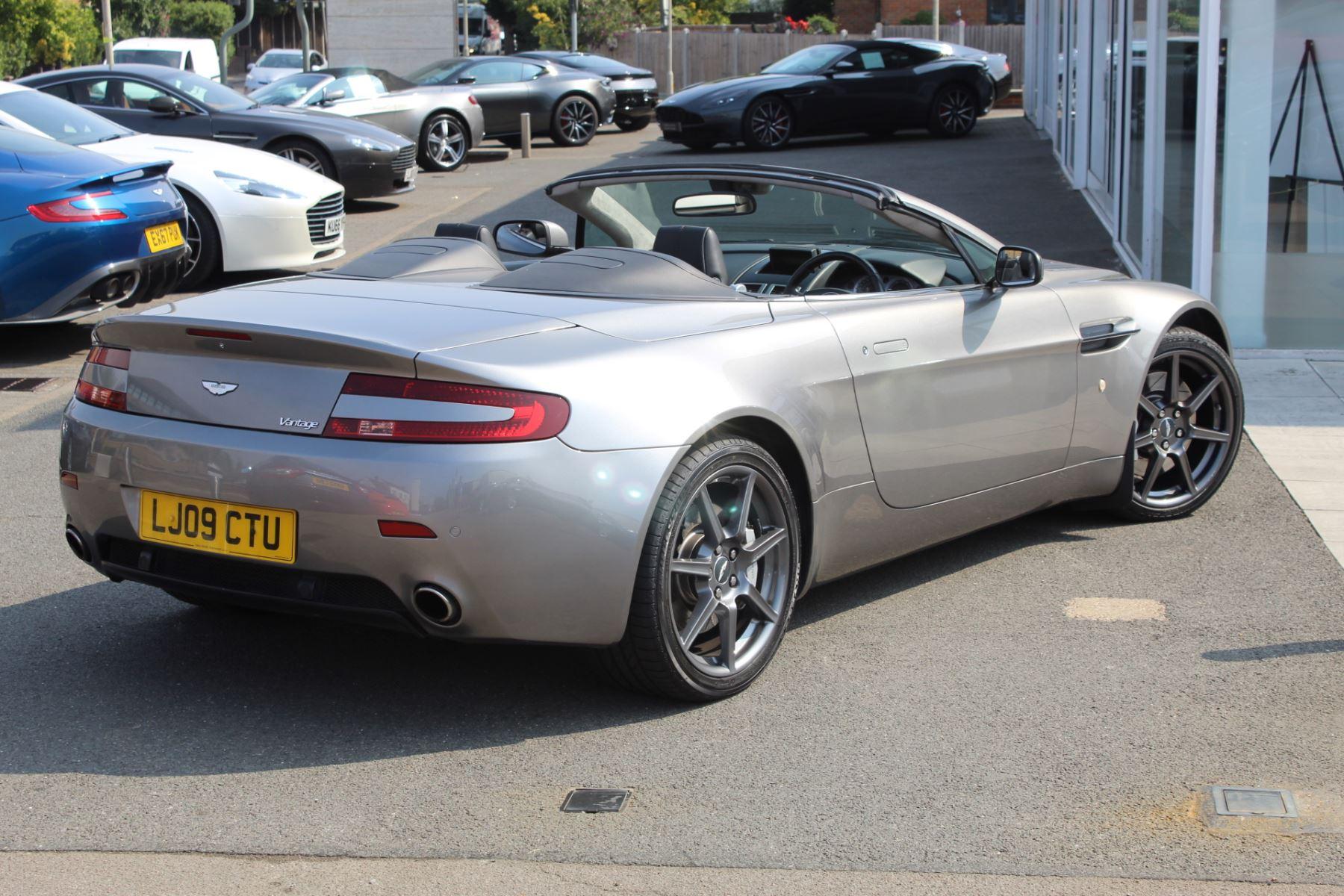 Aston Martin V8 Vantage Roadster 2dr Sportshift image 16