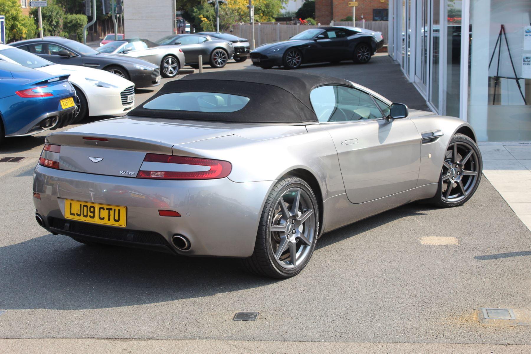 Aston Martin V8 Vantage Roadster 2dr Sportshift image 18
