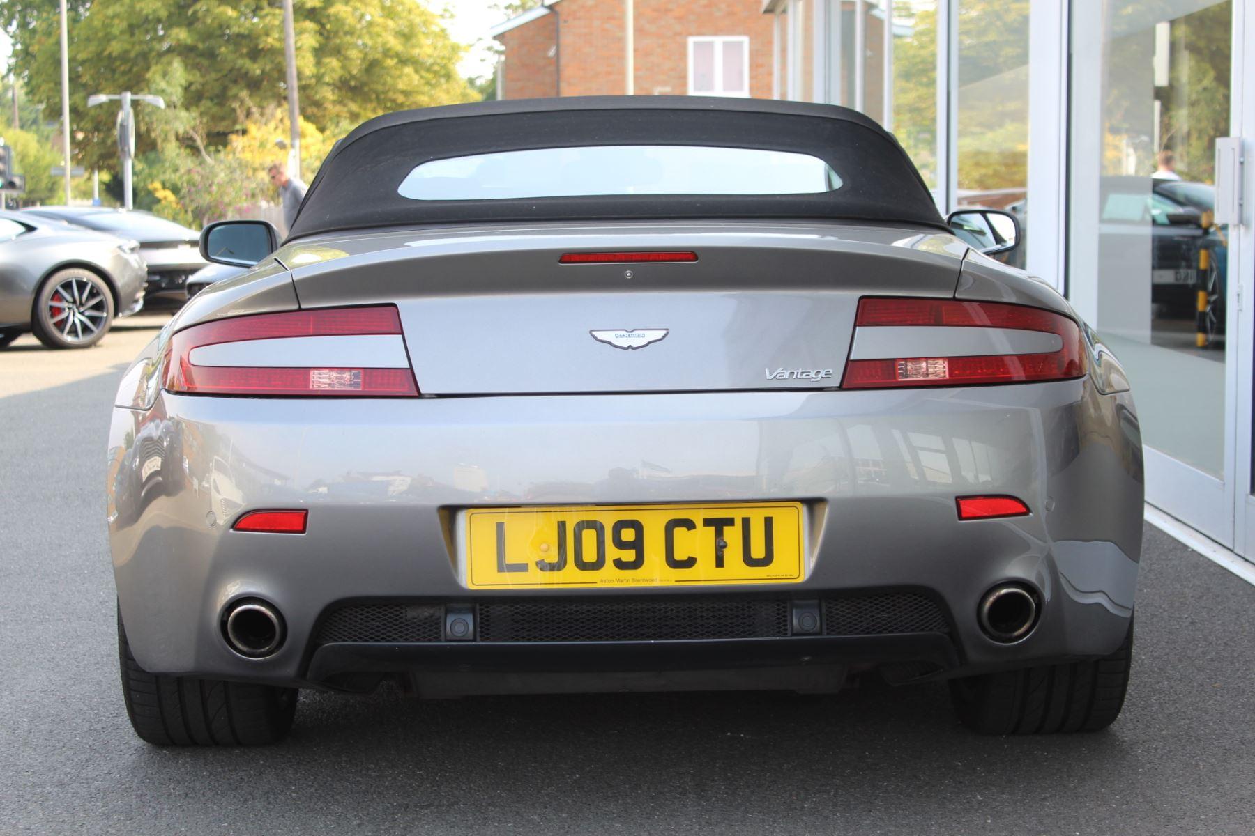 Aston Martin V8 Vantage Roadster 2dr Sportshift image 19