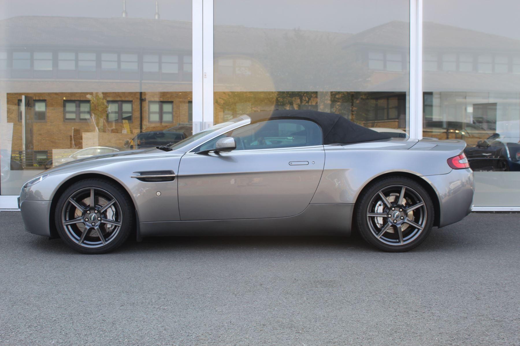 Aston Martin V8 Vantage Roadster 2dr Sportshift image 9
