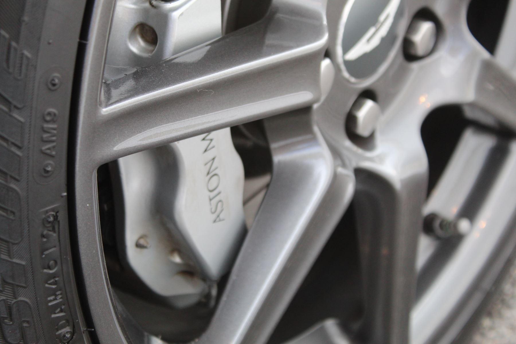 Aston Martin V8 Vantage Roadster 2dr Sportshift image 7