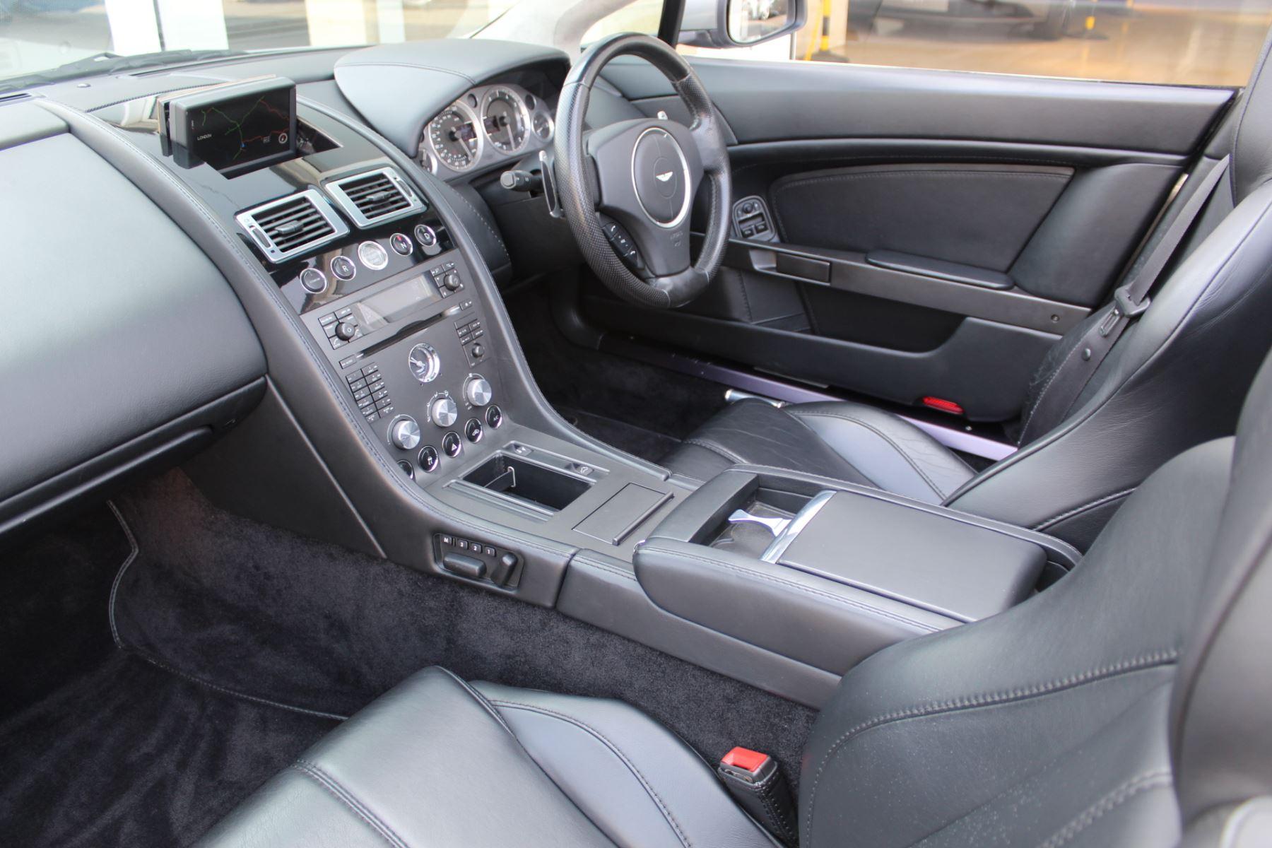 Aston Martin V8 Vantage Roadster 2dr Sportshift image 10