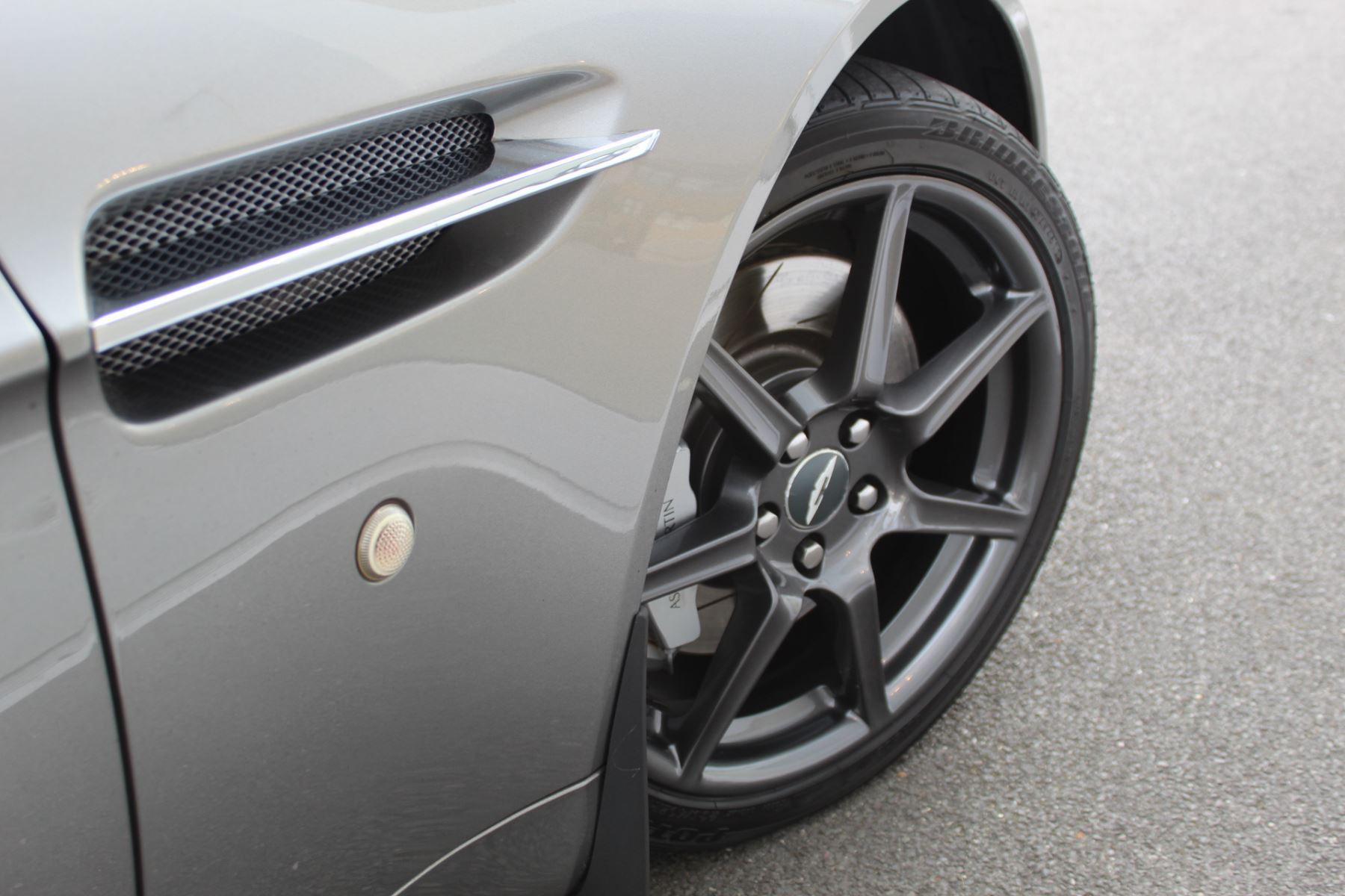 Aston Martin V8 Vantage Roadster 2dr Sportshift image 5