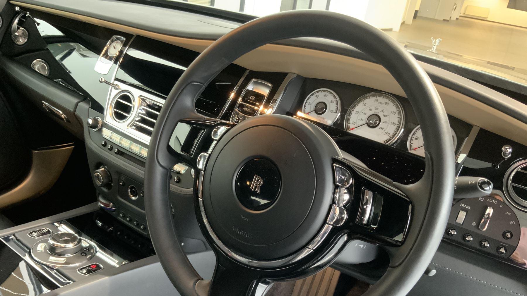 Rolls-Royce Wraith V12 image 13