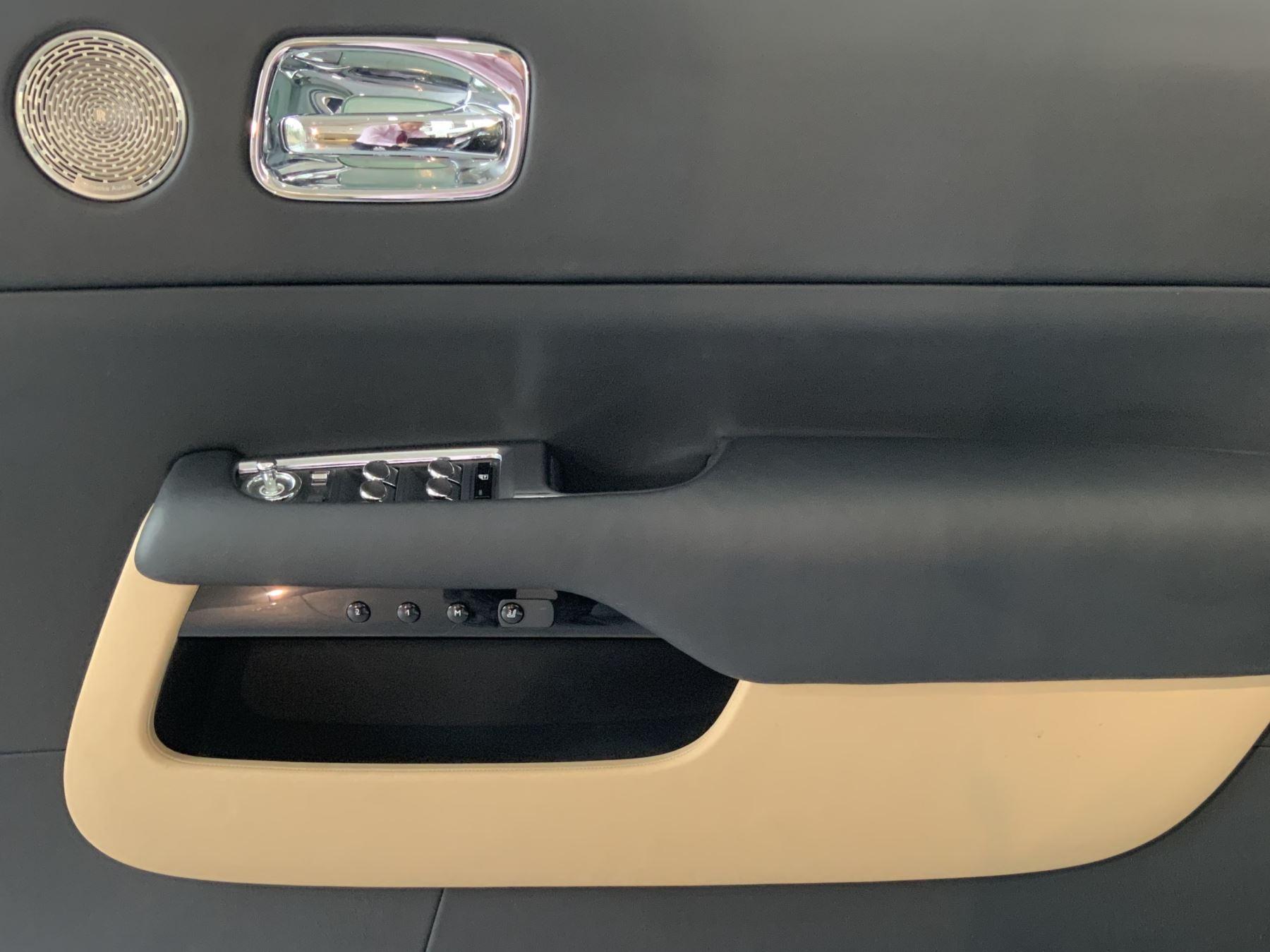 Rolls-Royce Wraith V12 image 17