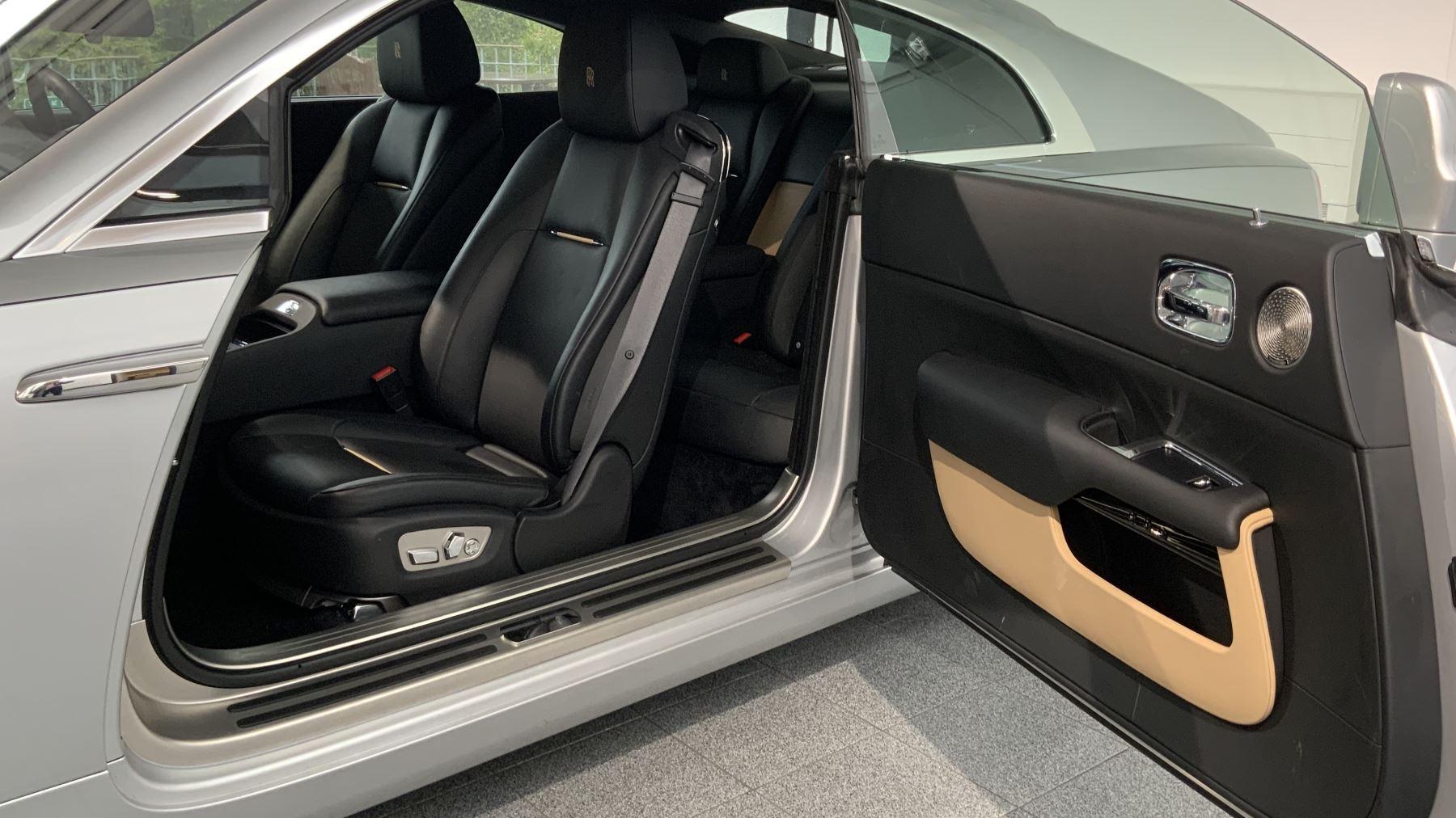 Rolls-Royce Wraith V12 image 22