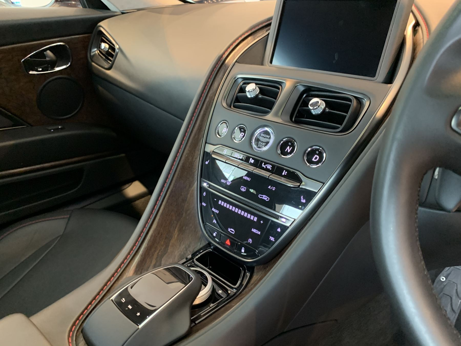 Aston Martin DB11 V12 2dr Touchtronic image 19