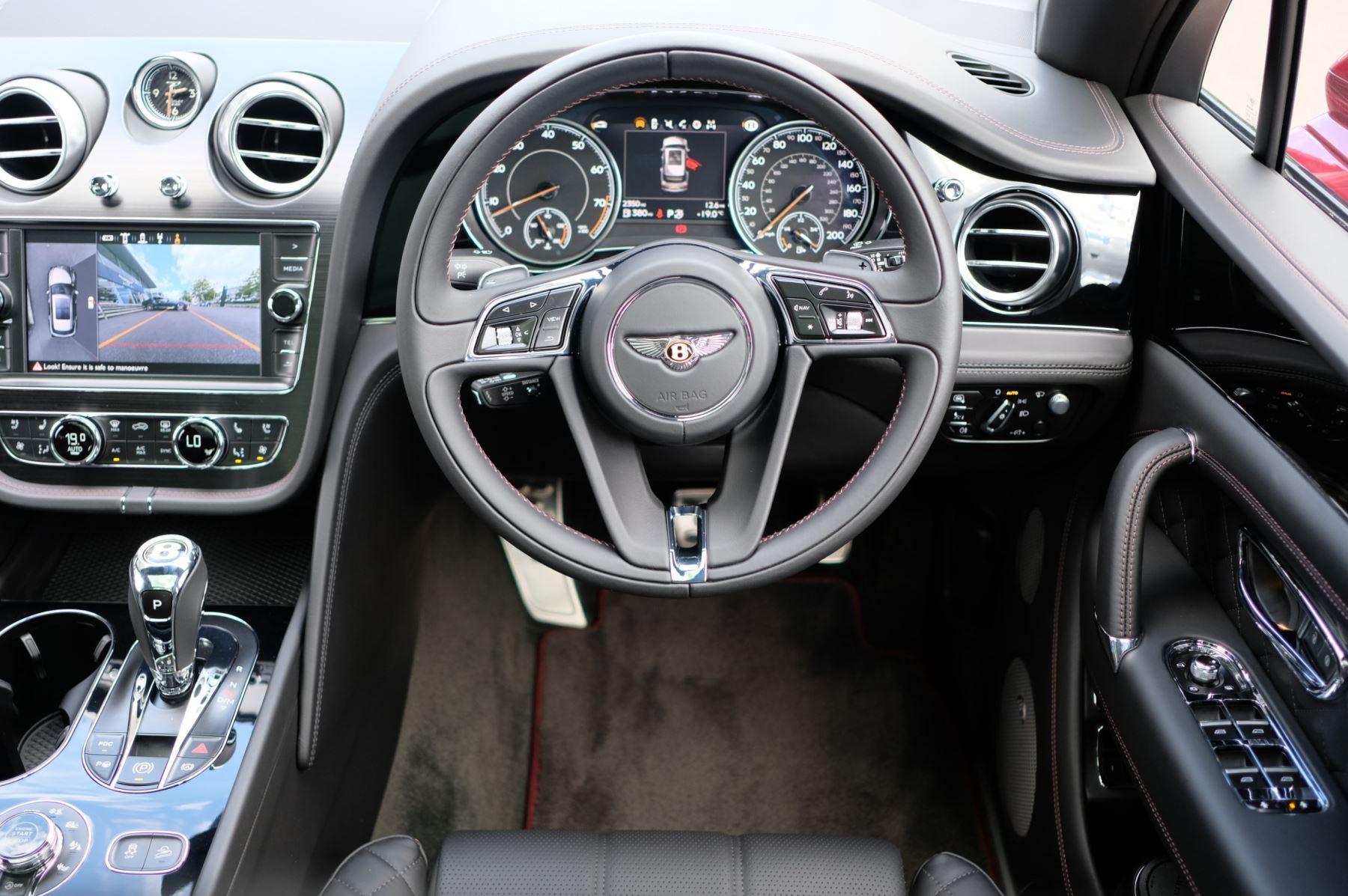 Bentley Bentayga V8 4.0 V8 5dr Mulliner Driving Specification image 20
