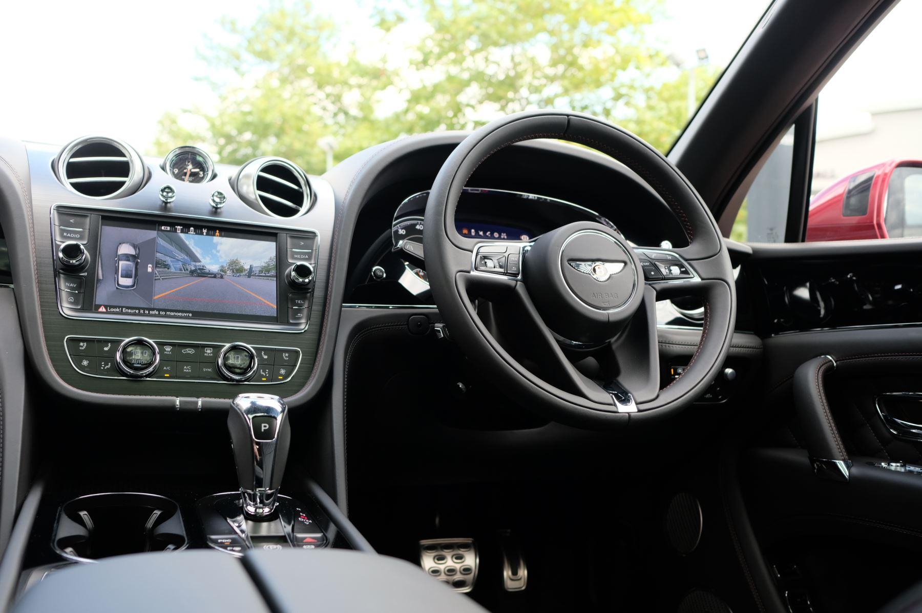 Bentley Bentayga V8 4.0 V8 5dr Mulliner Driving Specification image 21