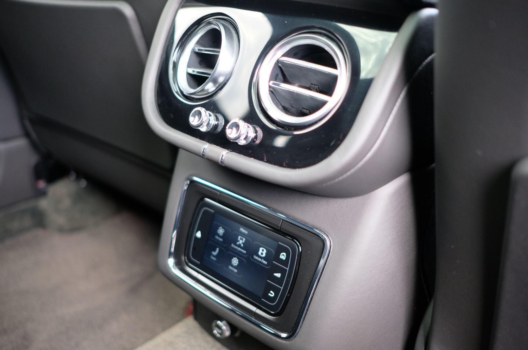 Bentley Bentayga V8 4.0 V8 5dr Mulliner Driving Specification image 22