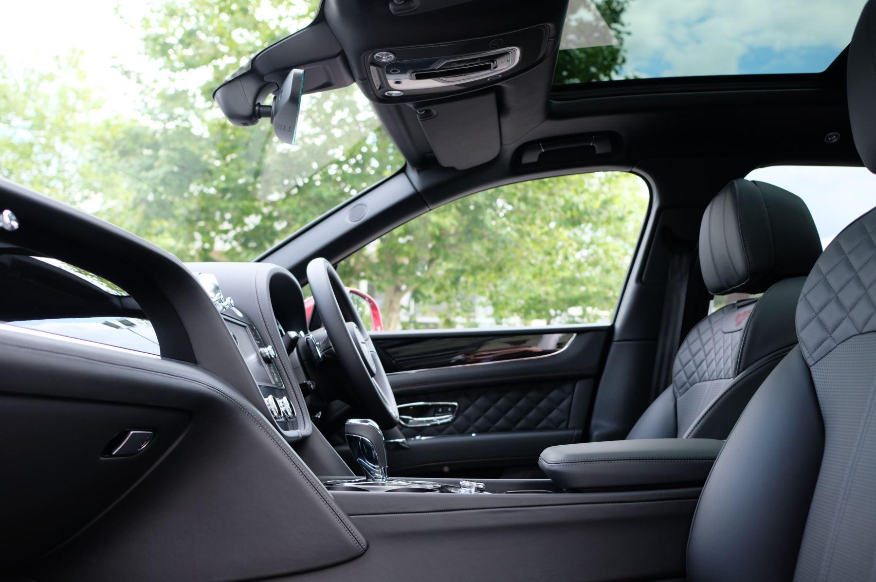 Bentley Bentayga V8 4.0 V8 5dr Mulliner Driving Specification image 24