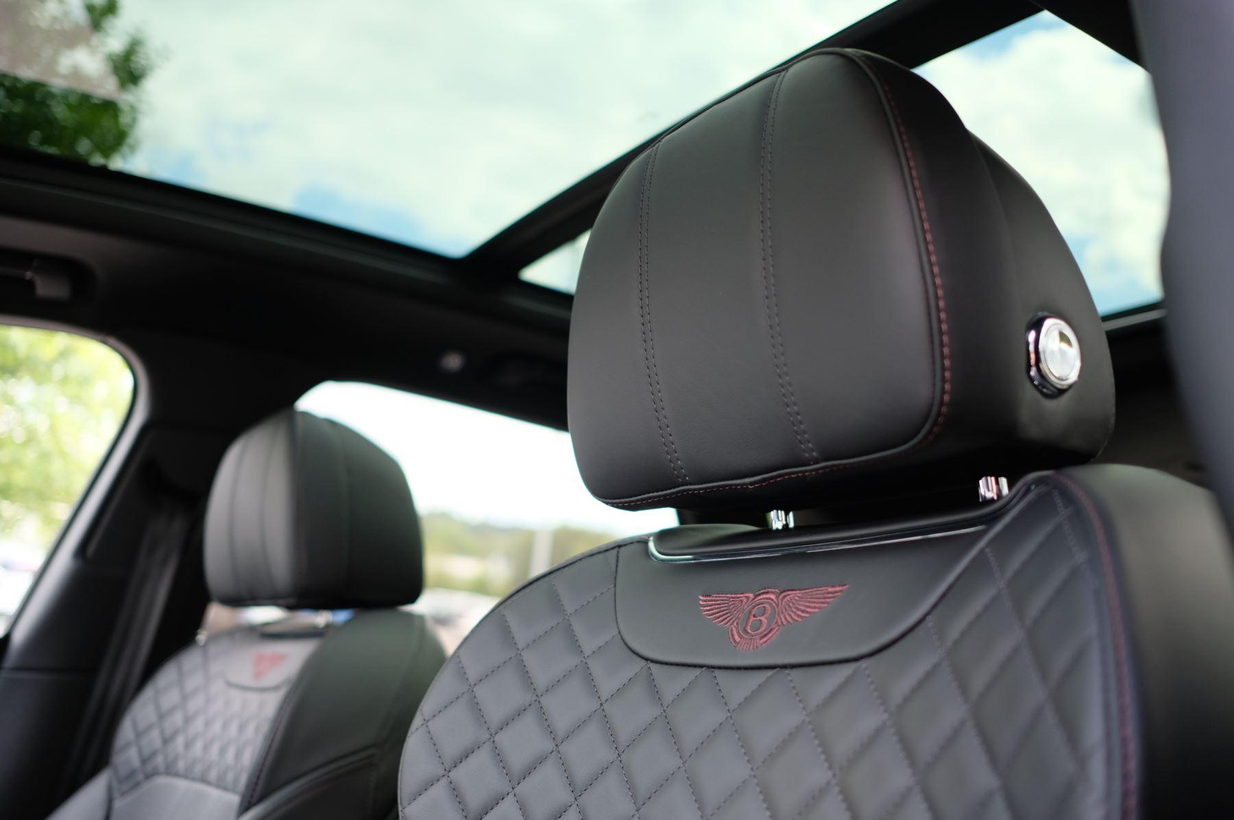 Bentley Bentayga V8 4.0 V8 5dr Mulliner Driving Specification image 25