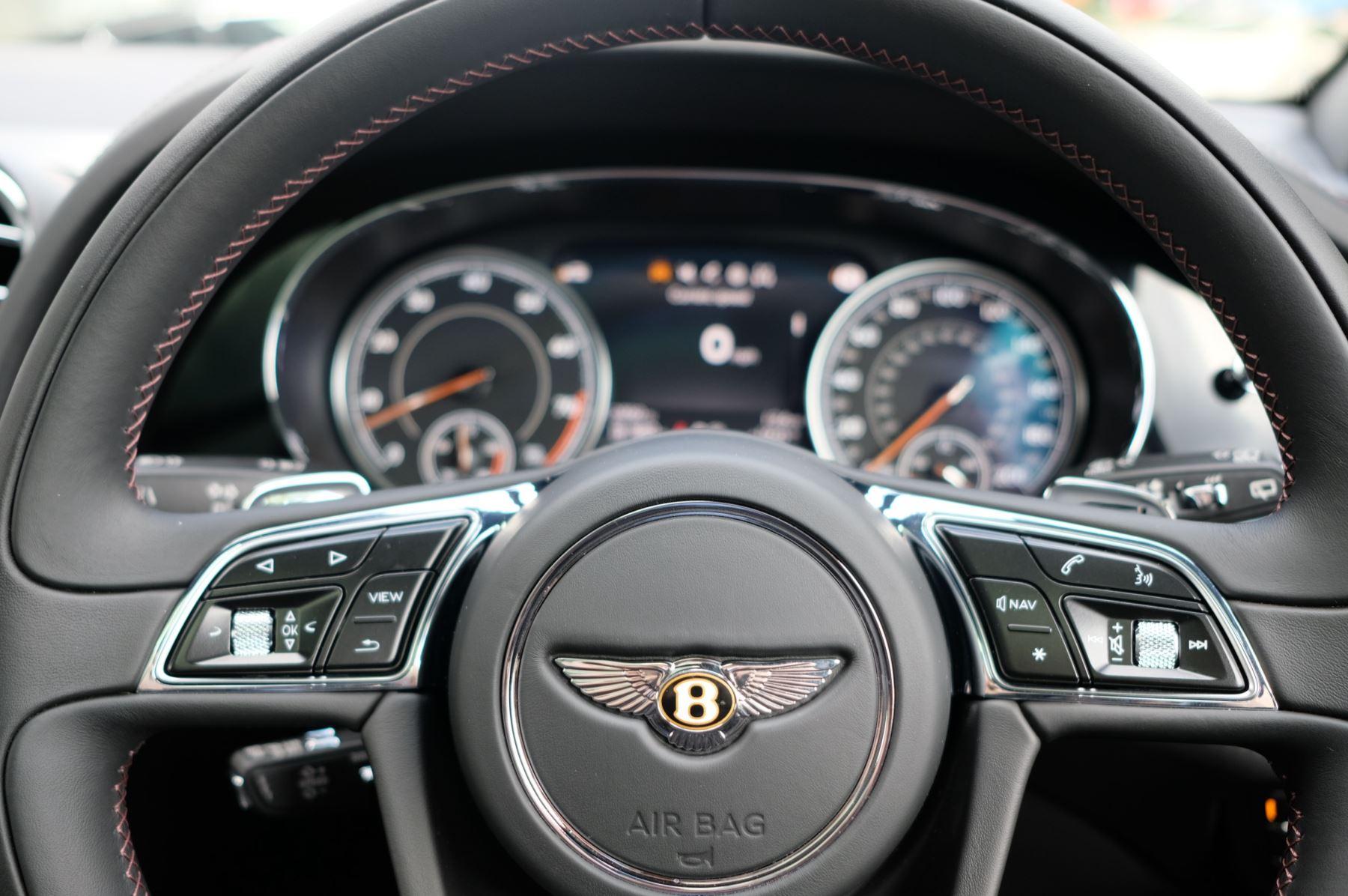 Bentley Bentayga V8 4.0 V8 5dr Mulliner Driving Specification image 16