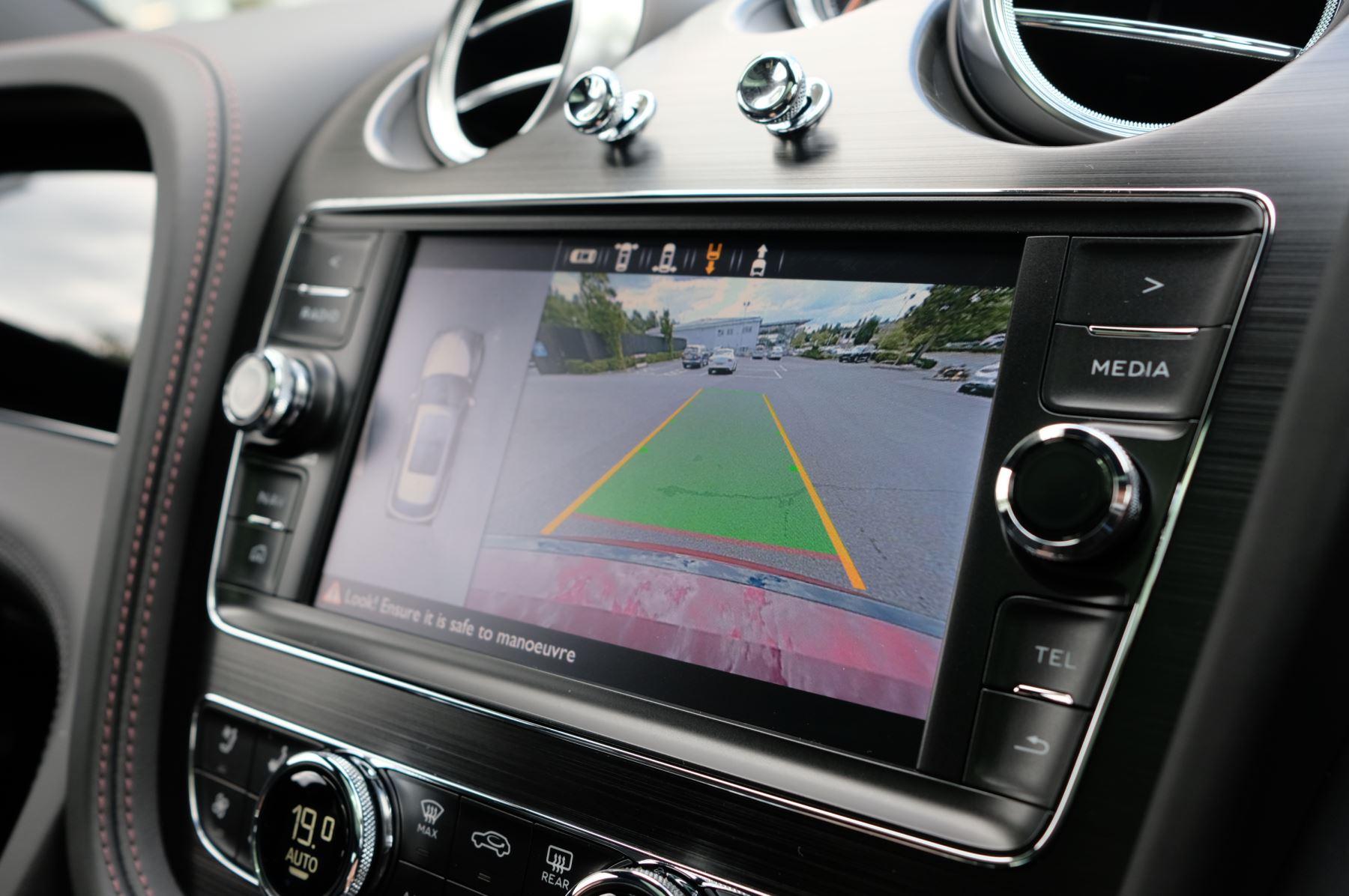 Bentley Bentayga V8 4.0 V8 5dr Mulliner Driving Specification image 35