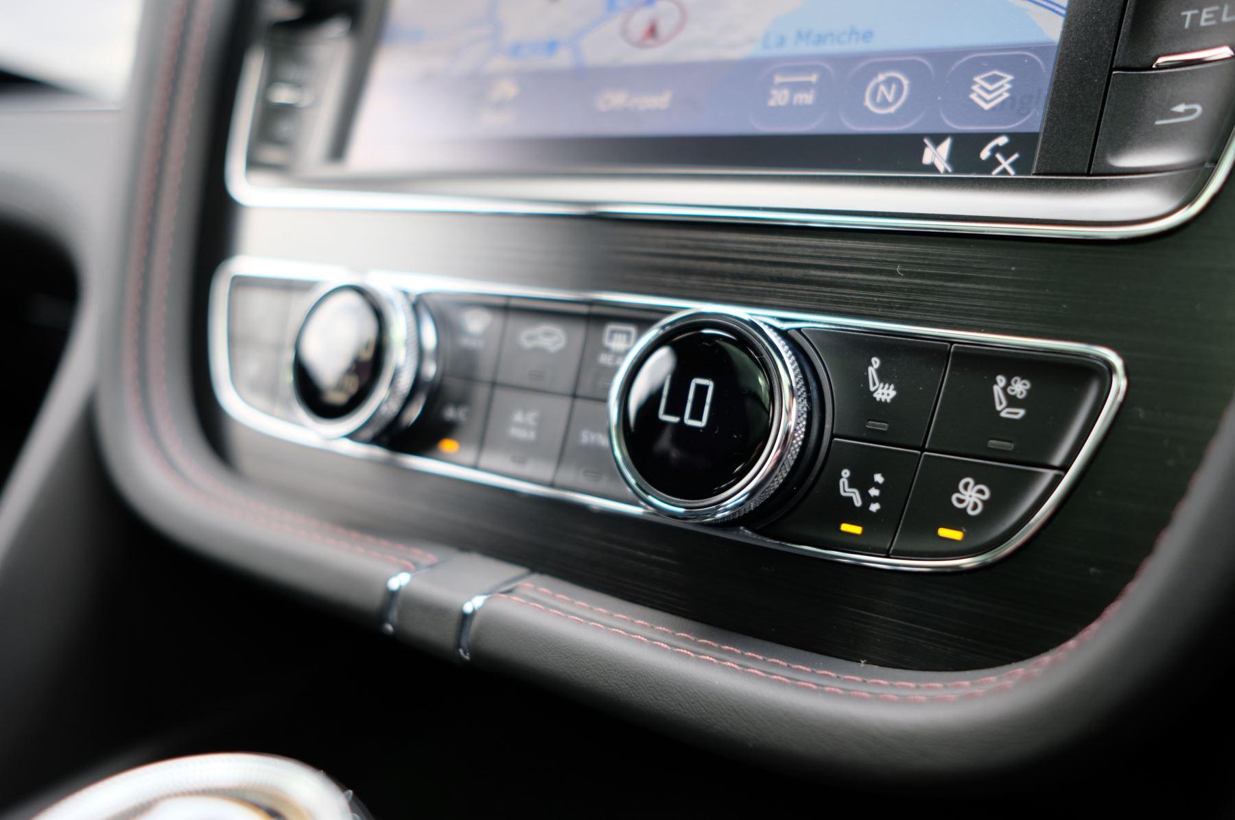 Bentley Bentayga V8 4.0 V8 5dr Mulliner Driving Specification image 37