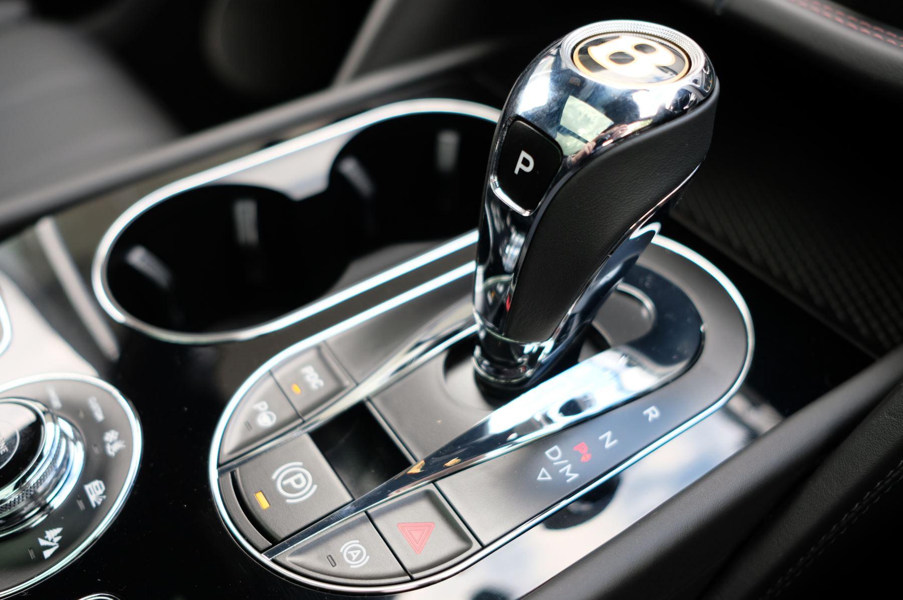 Bentley Bentayga V8 4.0 V8 5dr Mulliner Driving Specification image 39
