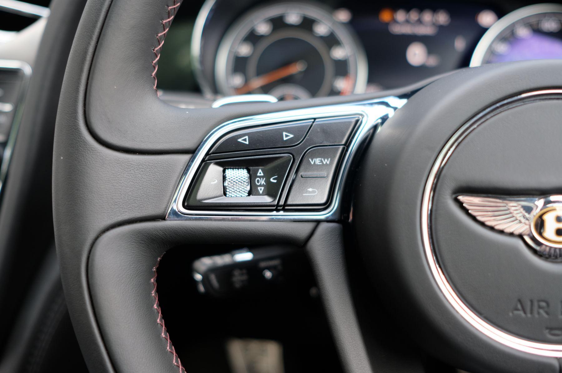 Bentley Bentayga V8 4.0 V8 5dr Mulliner Driving Specification image 42