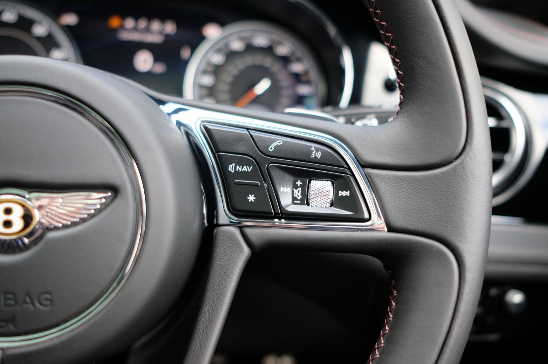 Bentley Bentayga V8 4.0 V8 5dr Mulliner Driving Specification image 43