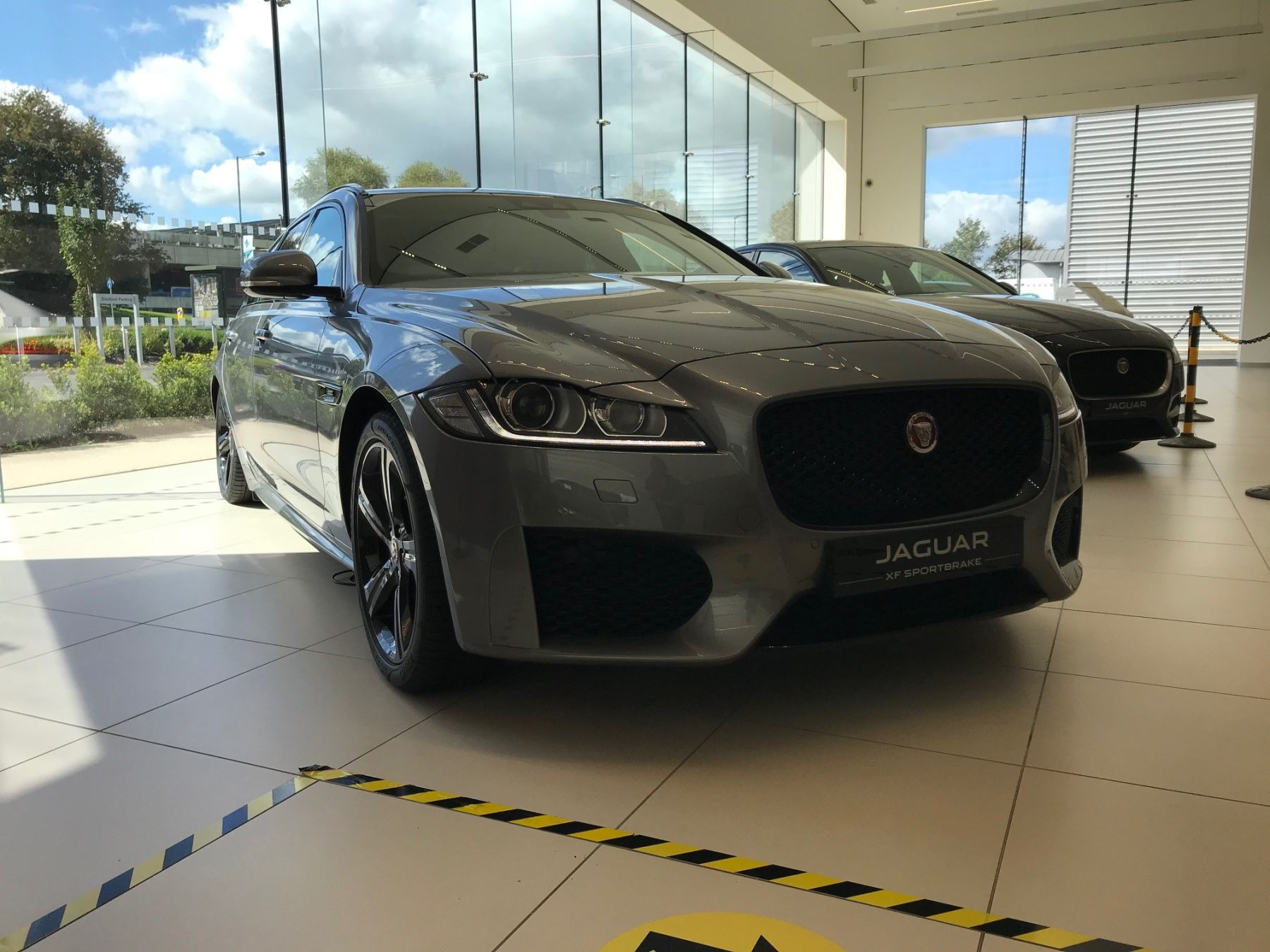 Jaguar XF SPORTBRAKE 2.0d [180] Chequered Flag AWD SPECIAL EDITIONS Diesel Automatic 5 door Estate