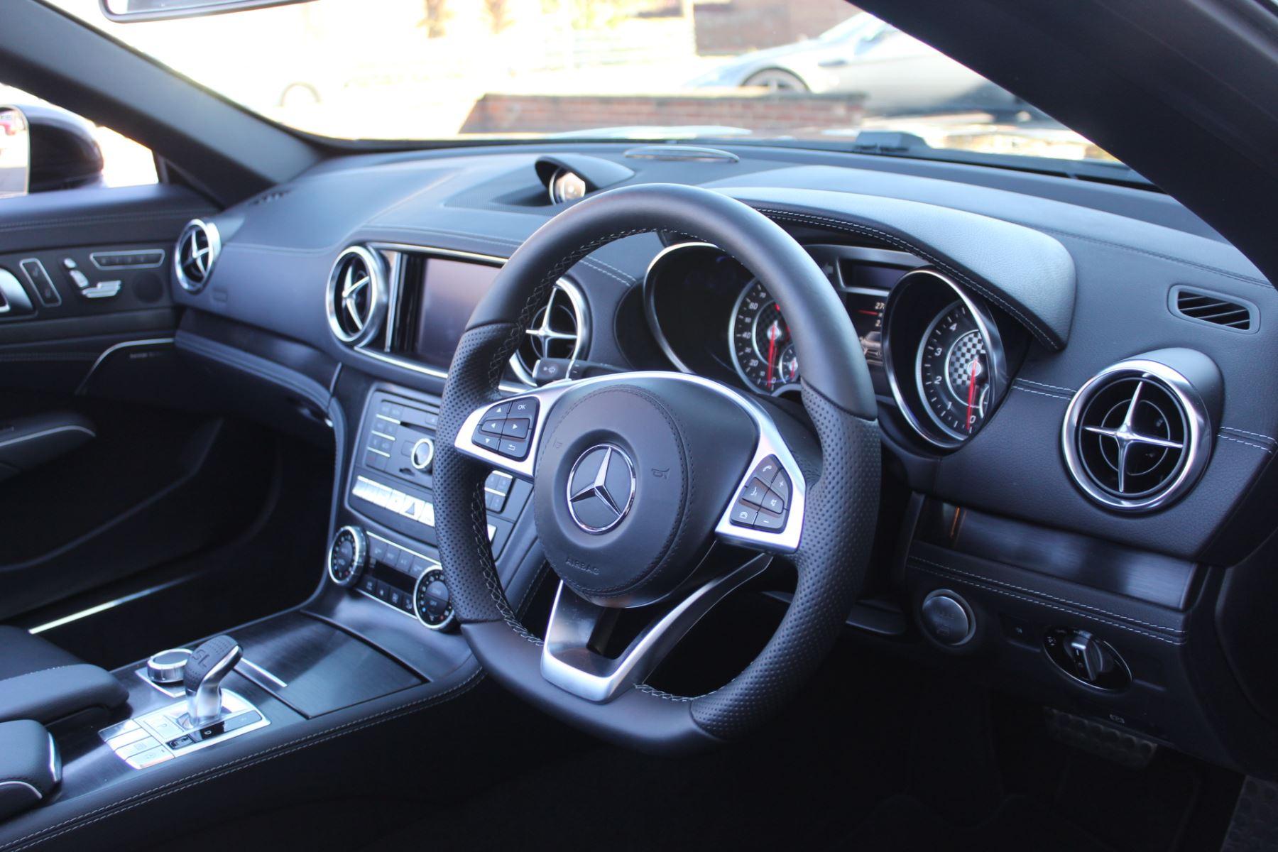 Mercedes-Benz SL SL 400 AMG Line Premium 2dr 9G-Tronic image 15