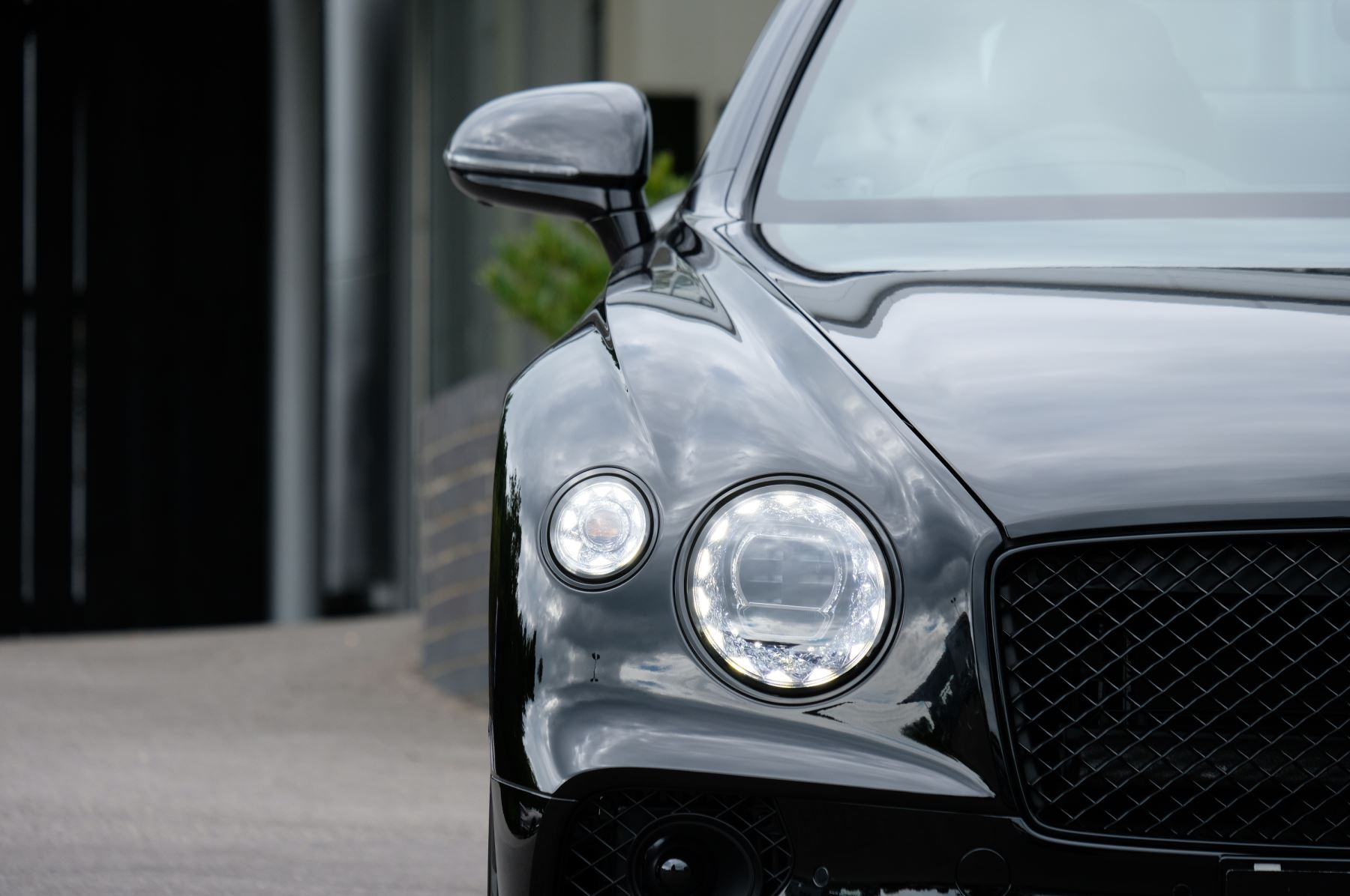 Bentley Continental GT V8 Mulliner Driving Specification image 7
